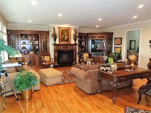 Large photo 19 of home for sale at 16 Briarwood Lane, Clarksville, AR