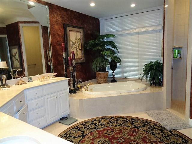 Large photo 25 of home for sale at 16 Briarwood Lane, Clarksville, AR