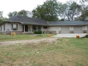 Large 3 BD, 2 BA home in Dover.