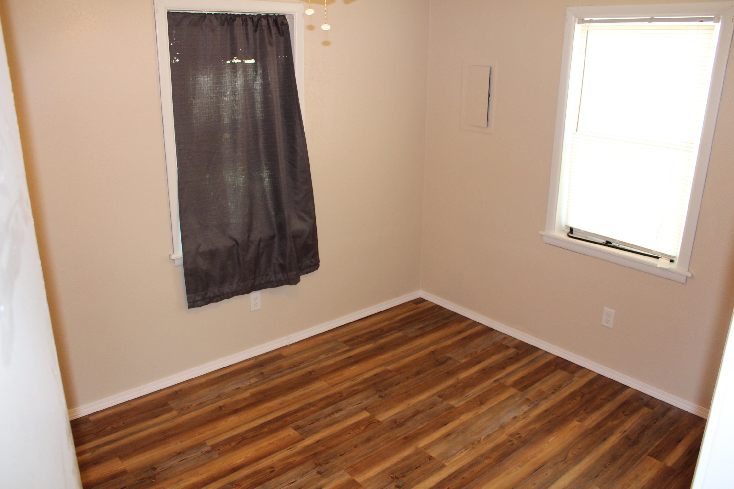 Large photo 9 of home for sale at 1612 Gibson Street, Ozark, AR