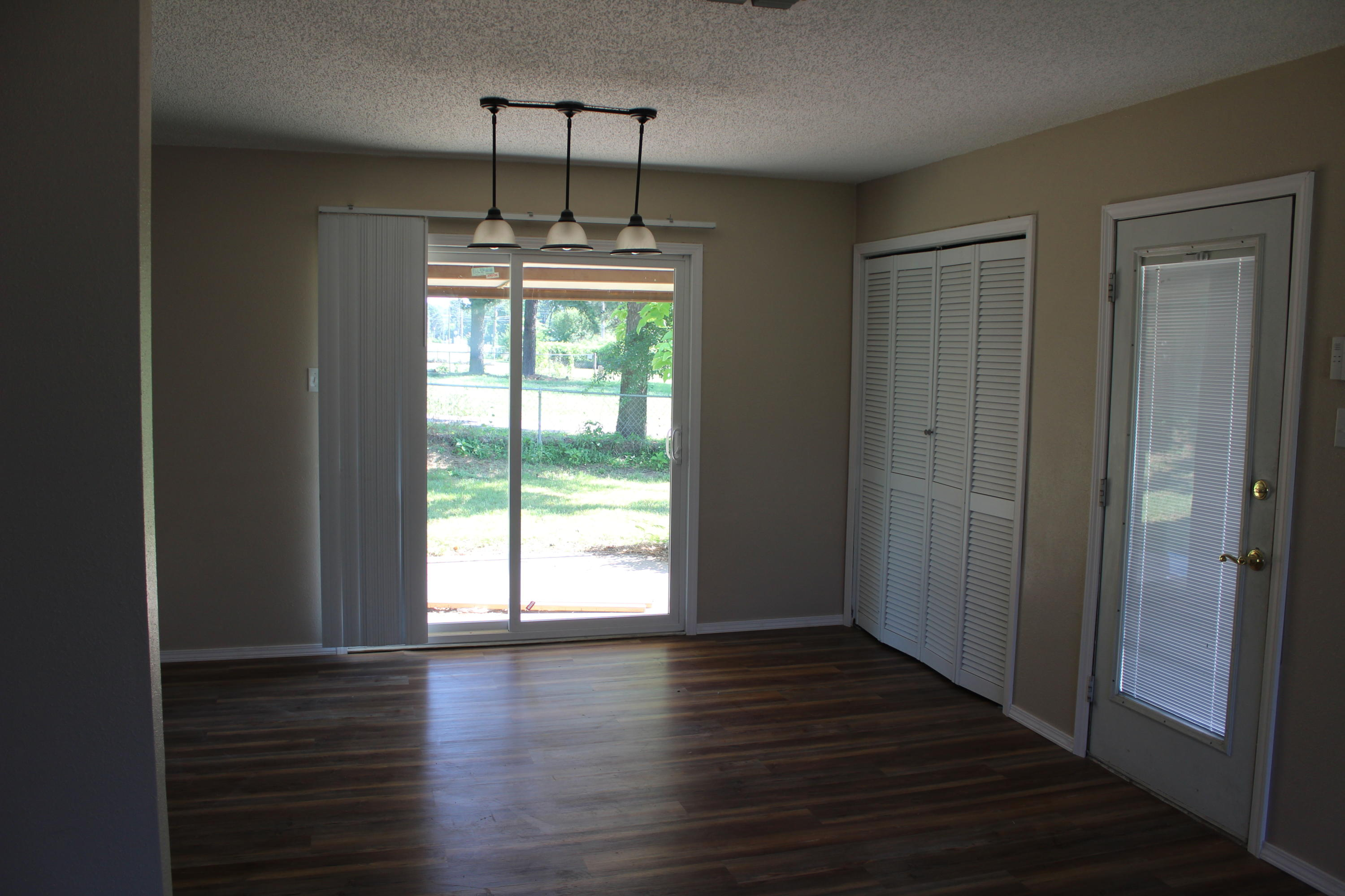 Large photo 13 of home for sale at 1612 Gibson Street, Ozark, AR