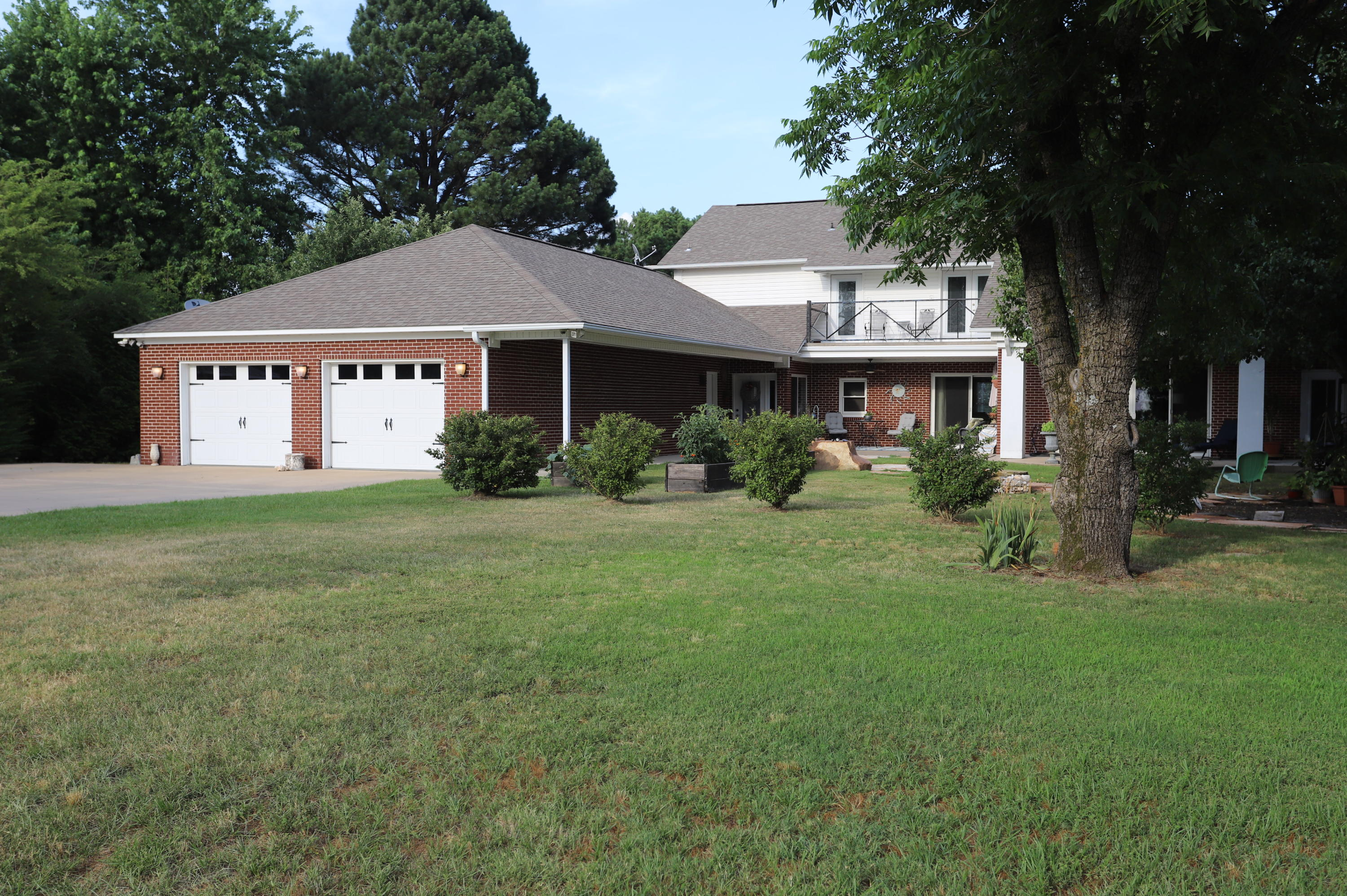 Large photo 3 of home for sale at 336 SKYLINE Drive, Russellville, AR