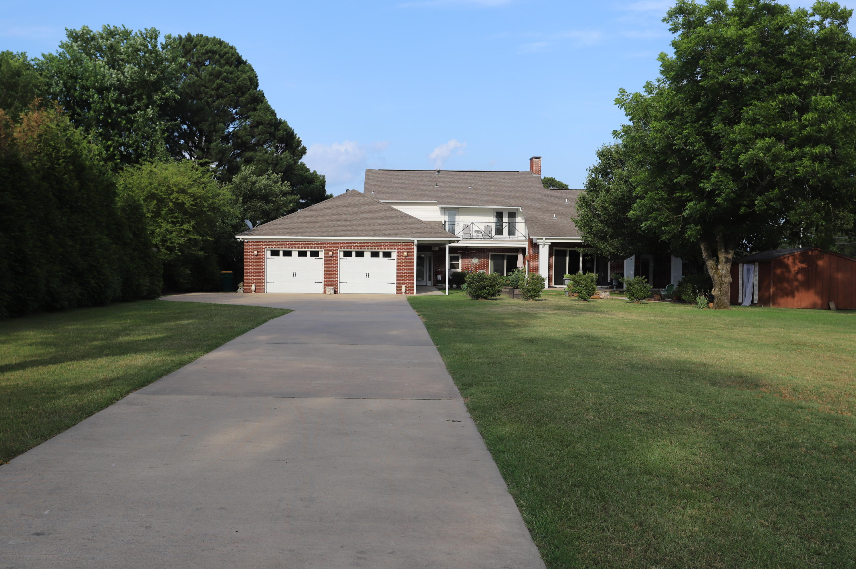 Large photo 5 of home for sale at 336 SKYLINE Drive, Russellville, AR