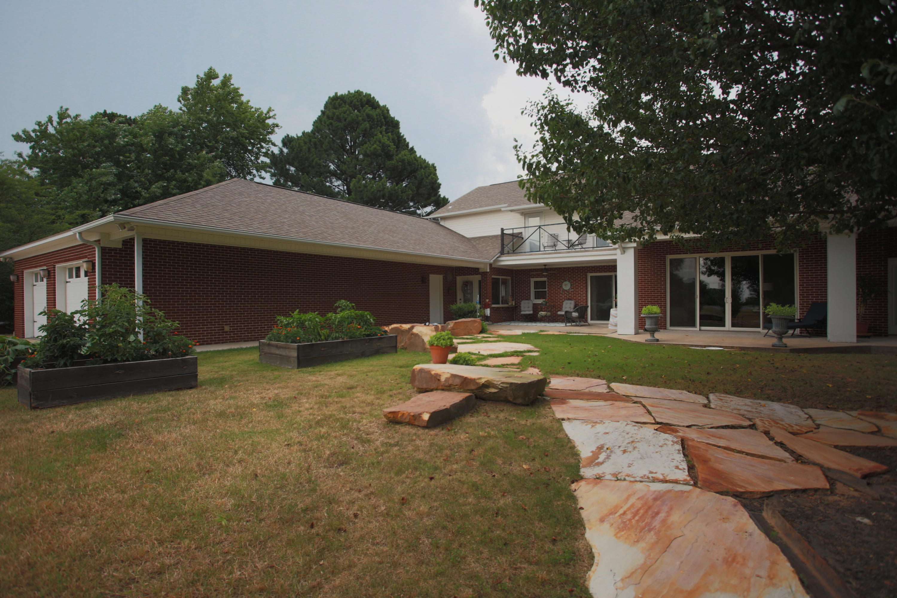 Large photo 4 of home for sale at 336 SKYLINE Drive, Russellville, AR