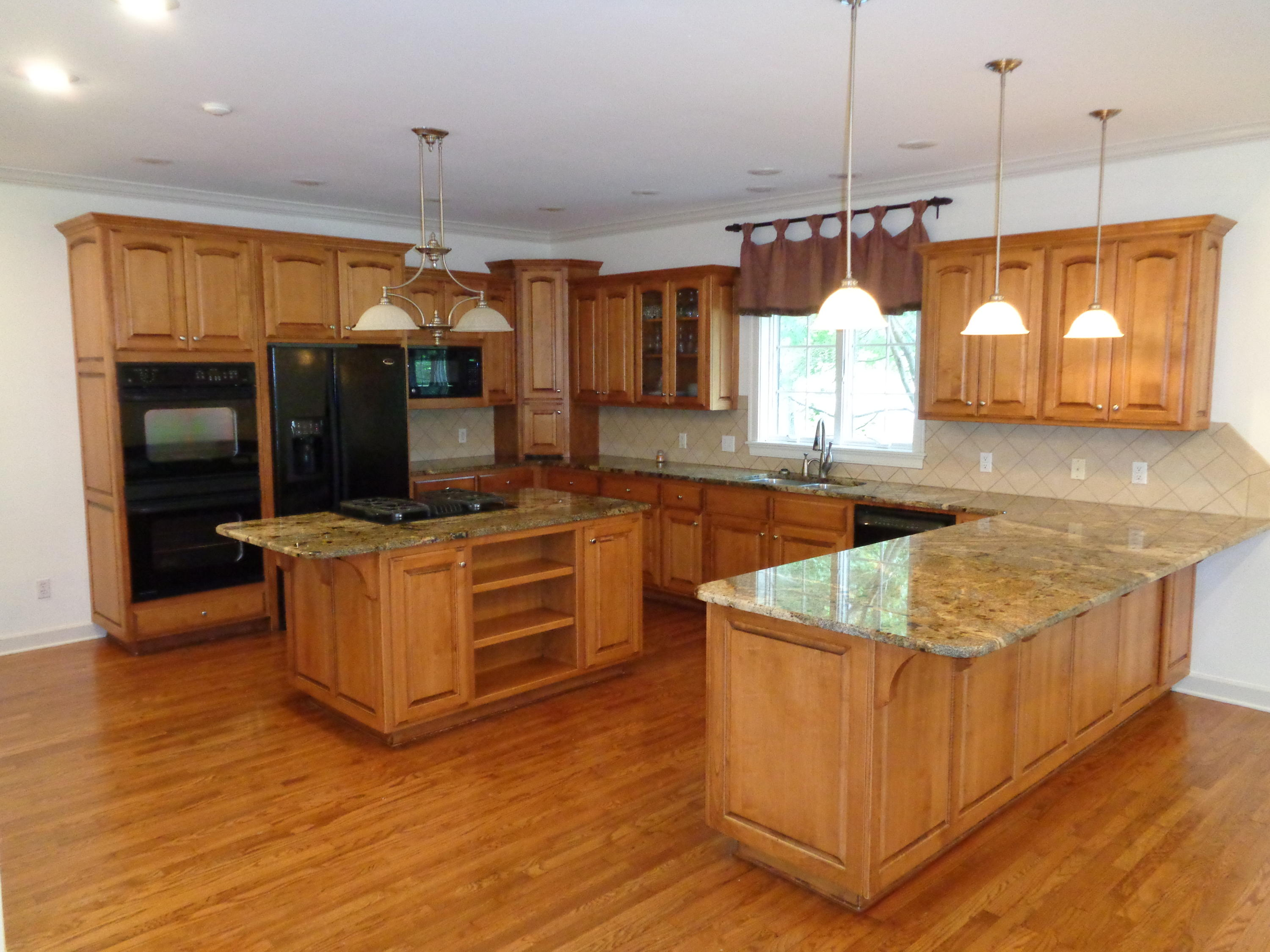 Large photo 17 of home for sale at 102 SKYRIDGE Road, Russellville, AR