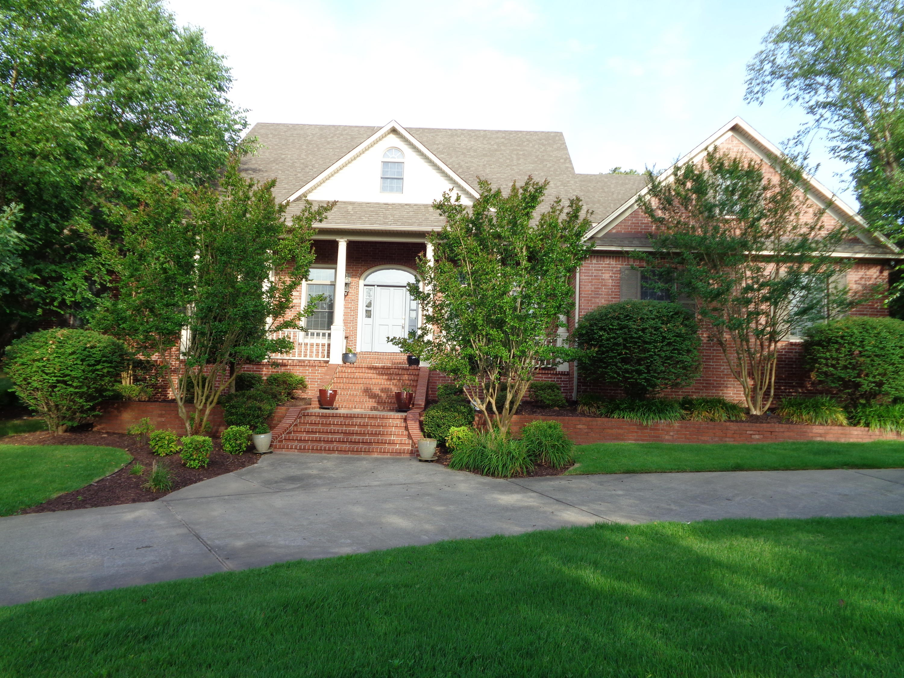 Large photo 1 of home for sale at 102 SKYRIDGE Road, Russellville, AR