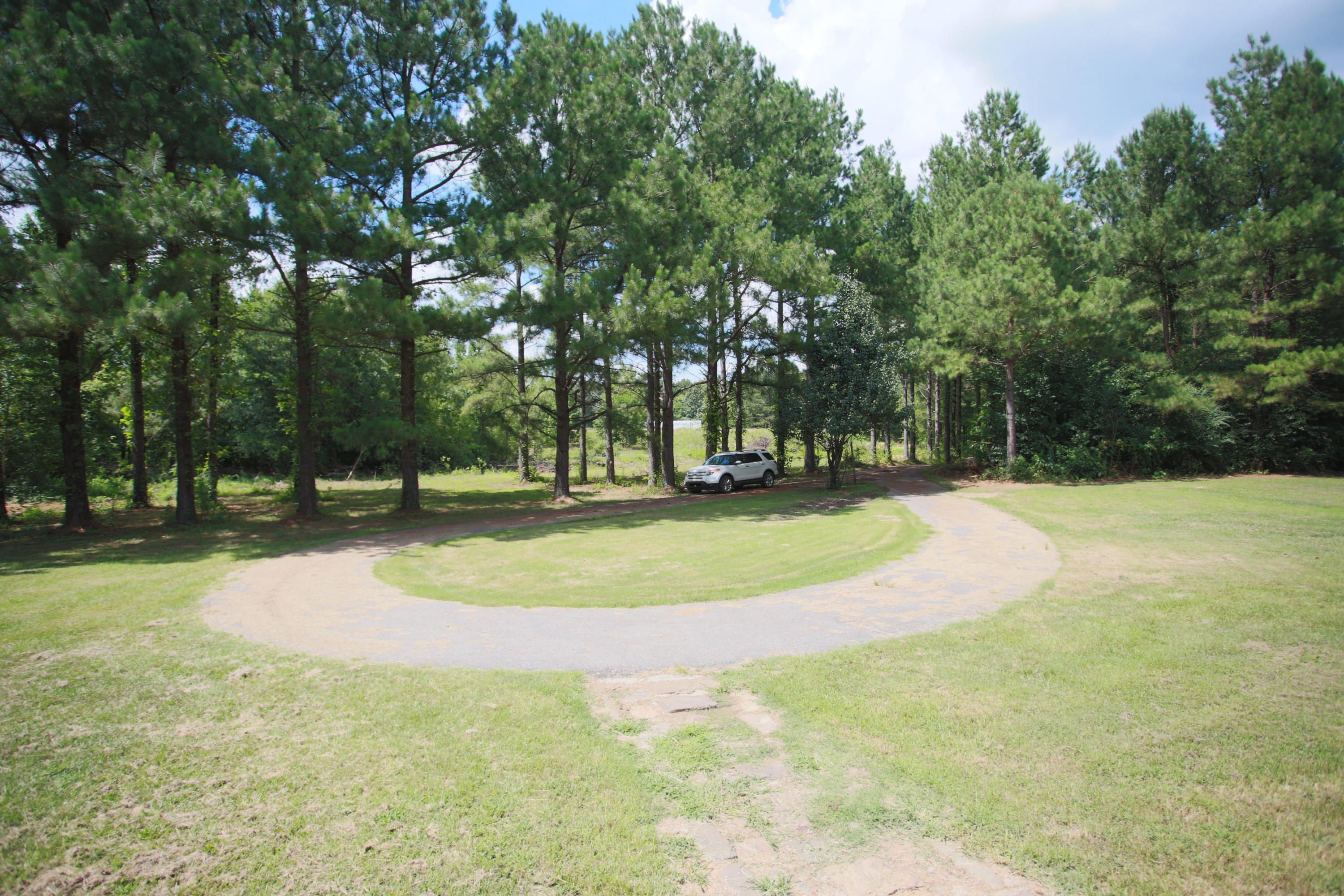 Large photo 11 of home for sale at 10430 SINGING PINES RD , Danville, AR