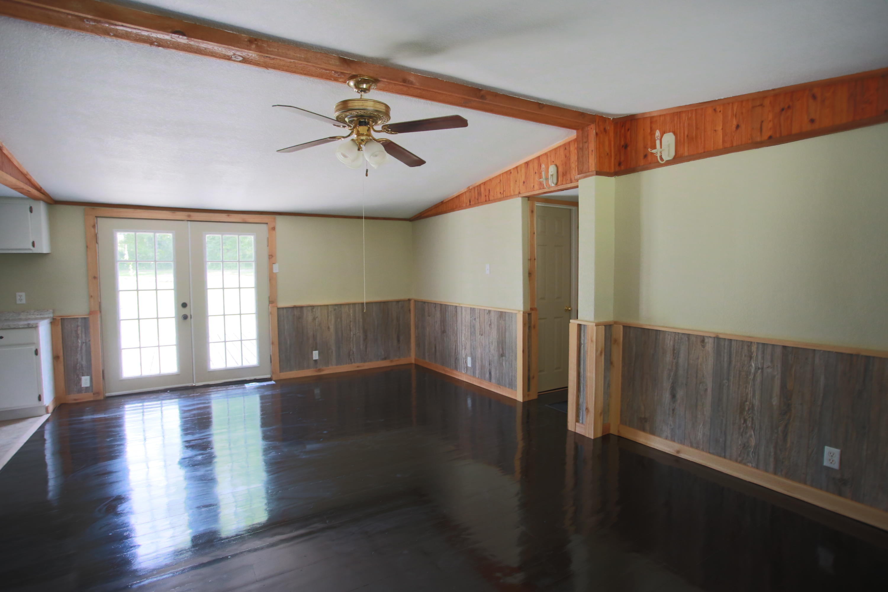 Large photo 7 of home for sale at 10430 SINGING PINES RD , Danville, AR