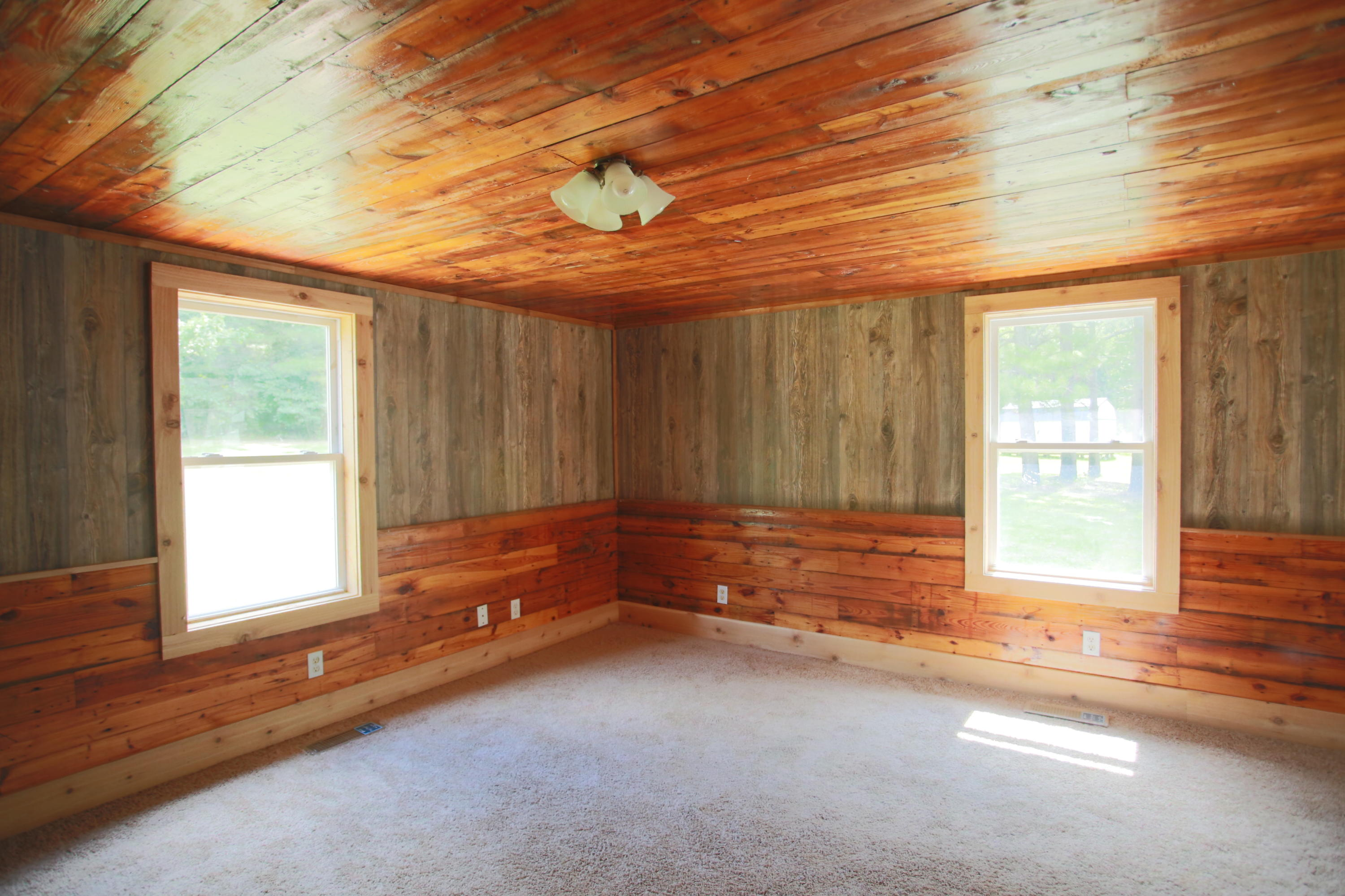Large photo 4 of home for sale at 10430 SINGING PINES RD , Danville, AR