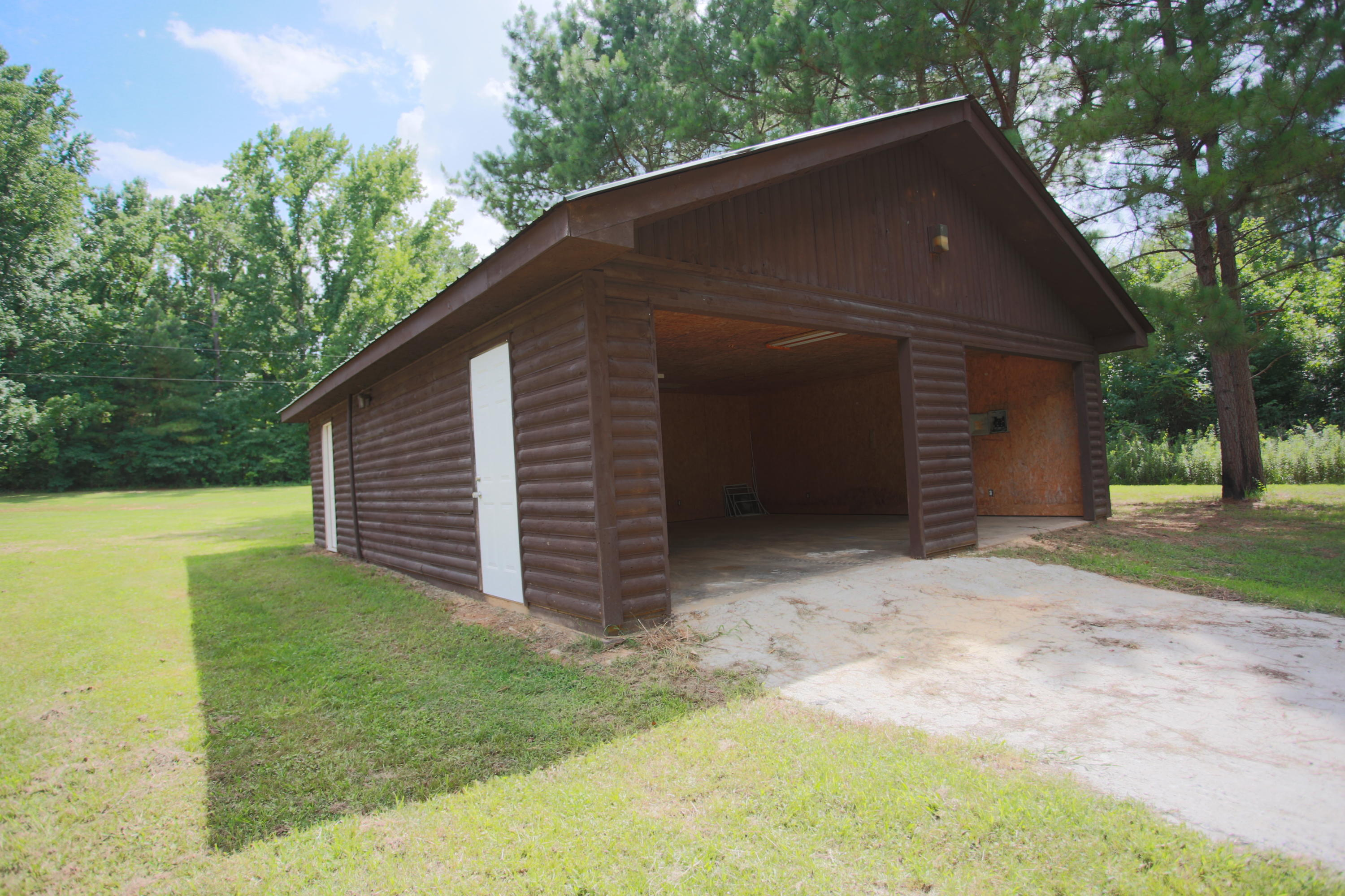 Large photo 30 of home for sale at 10430 SINGING PINES RD , Danville, AR