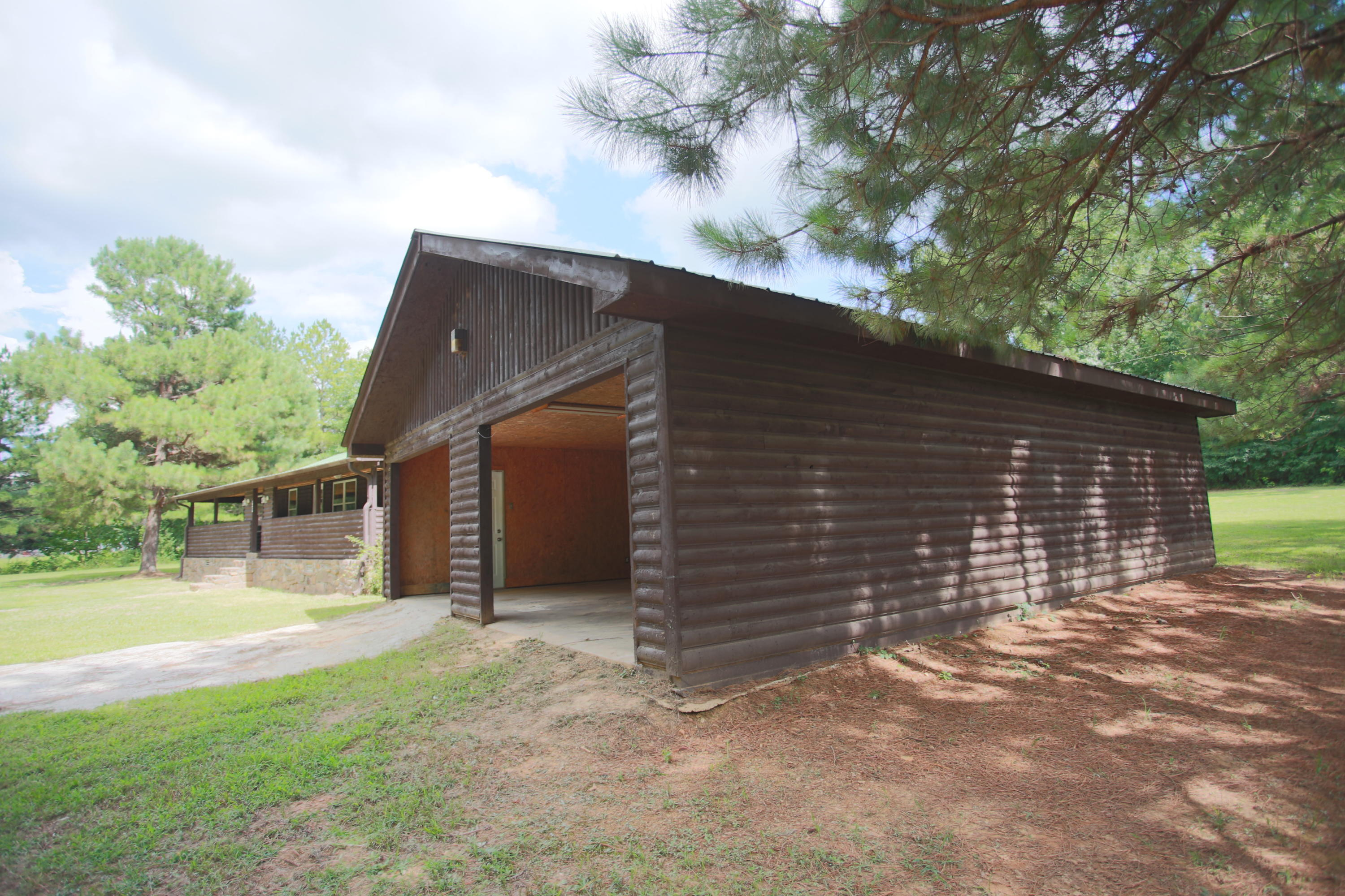 Large photo 31 of home for sale at 10430 SINGING PINES RD , Danville, AR