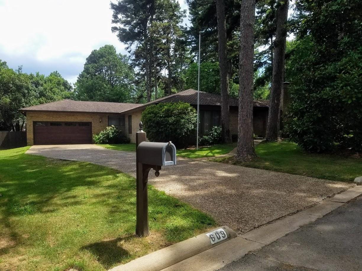 Large photo 4 of home for sale at 609 Dalewood Court, Russellville, AR