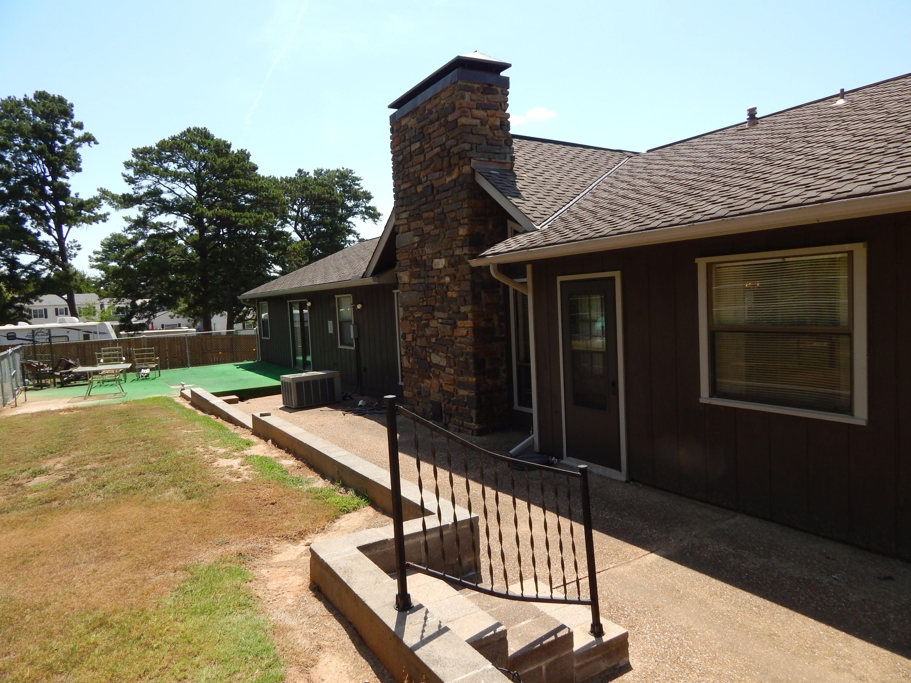 Large photo 10 of home for sale at 200 Skyline Vista Drive , Russellville, AR