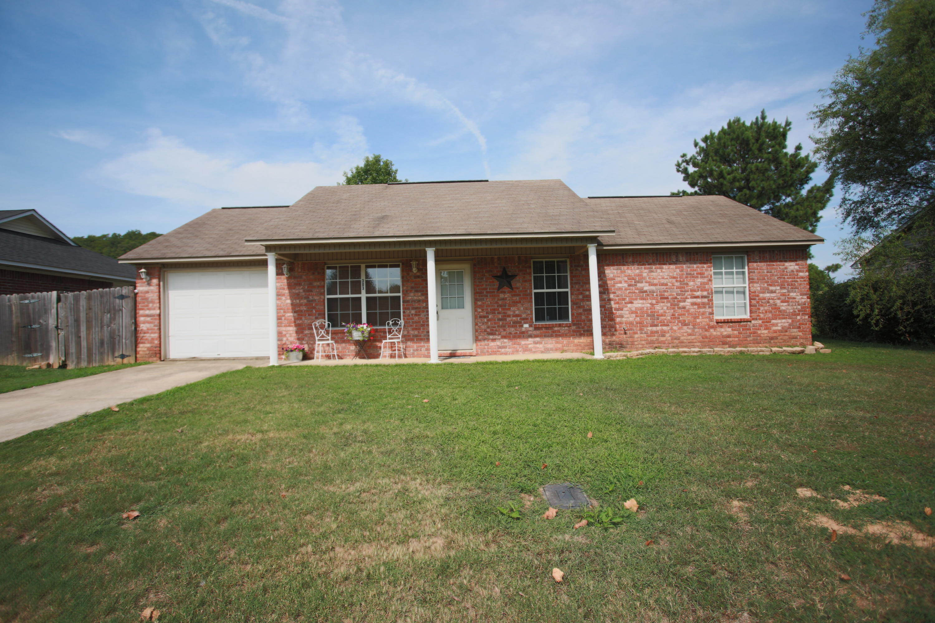 Large photo 1 of home for sale at 303 36th Street, Ozark, AR