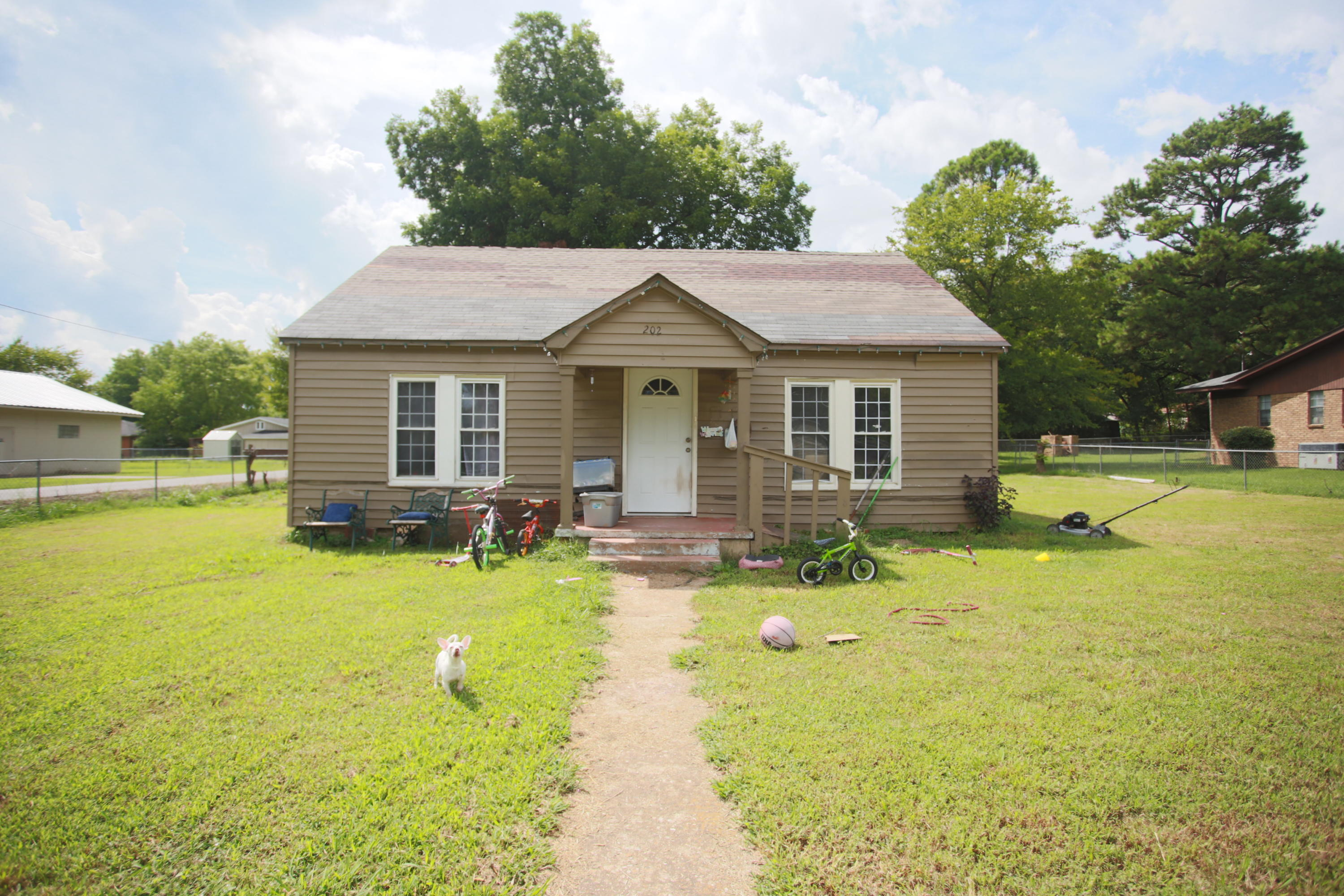 Large photo 1 of home for sale at 202 North 5th St. , Ola, AR