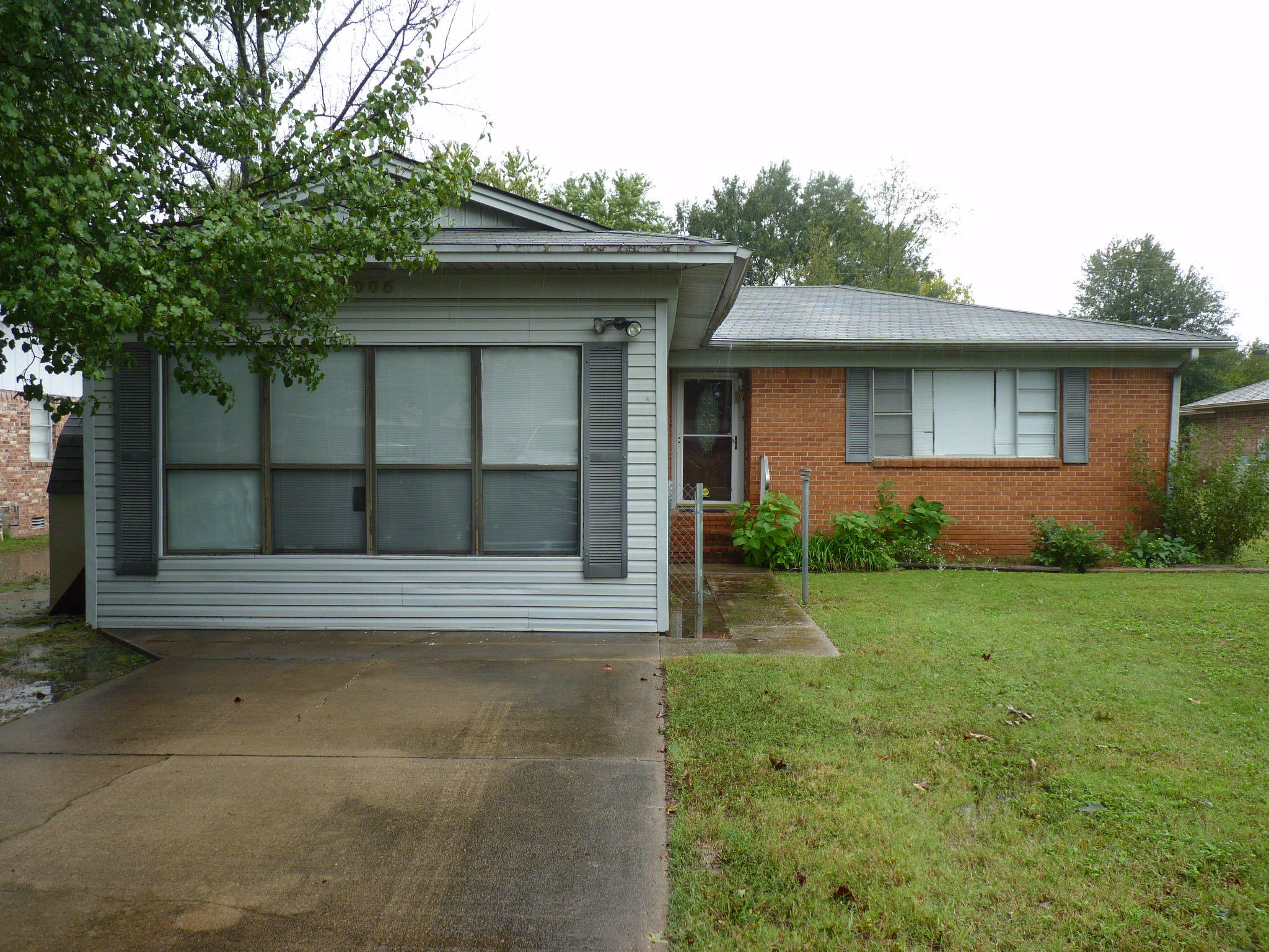 Large photo 2 of home for sale at 1005 E Street, Russellville, AR