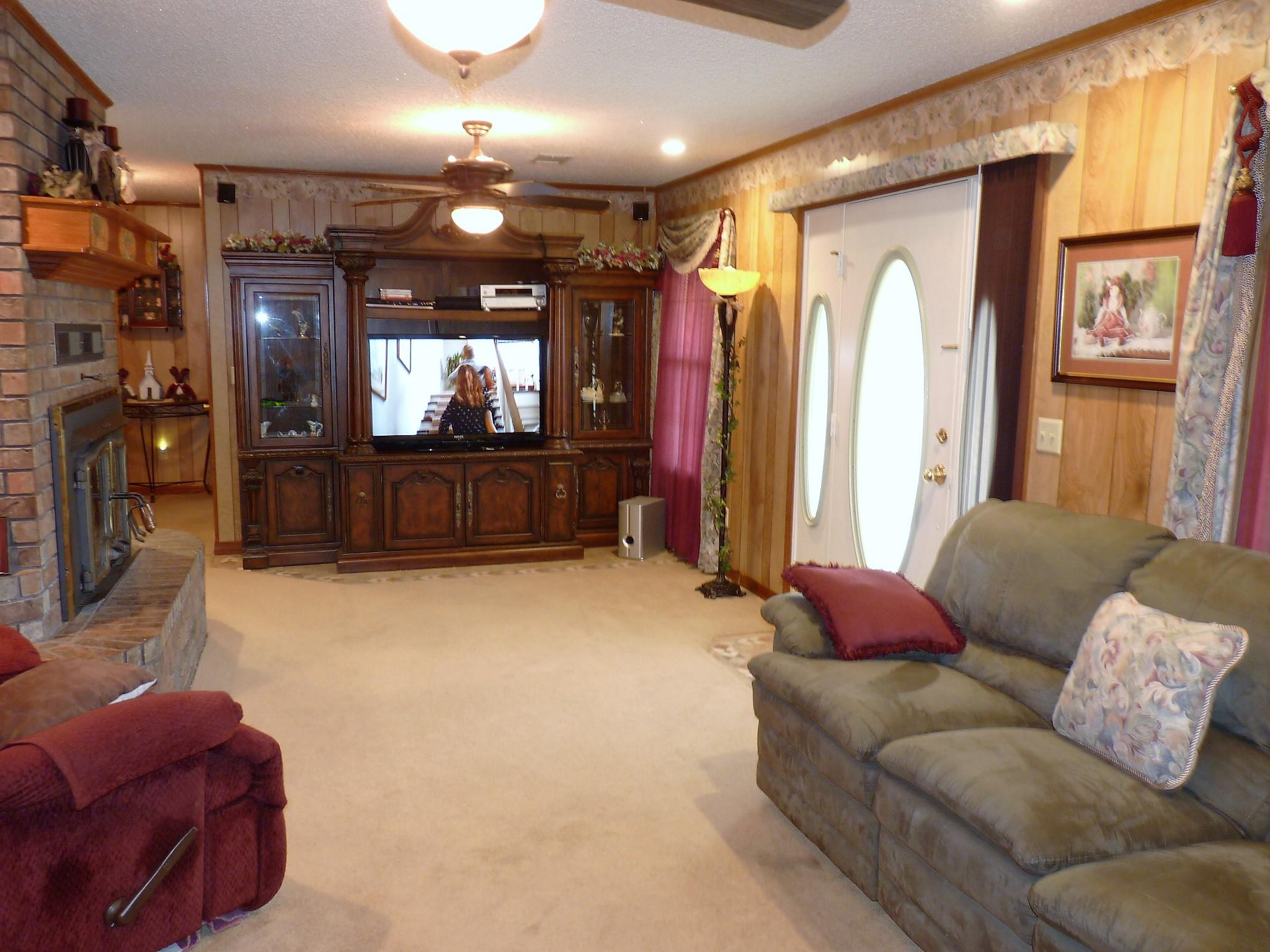 Large photo 12 of home for sale at 10182 Singing Pines Road, Danville, AR