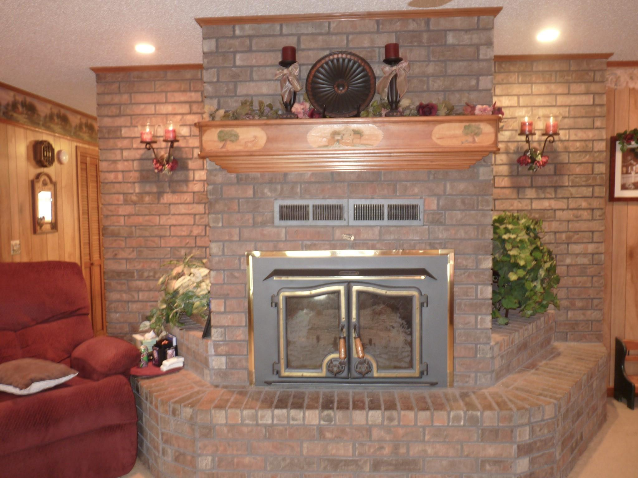 Large photo 13 of home for sale at 10182 Singing Pines Road, Danville, AR