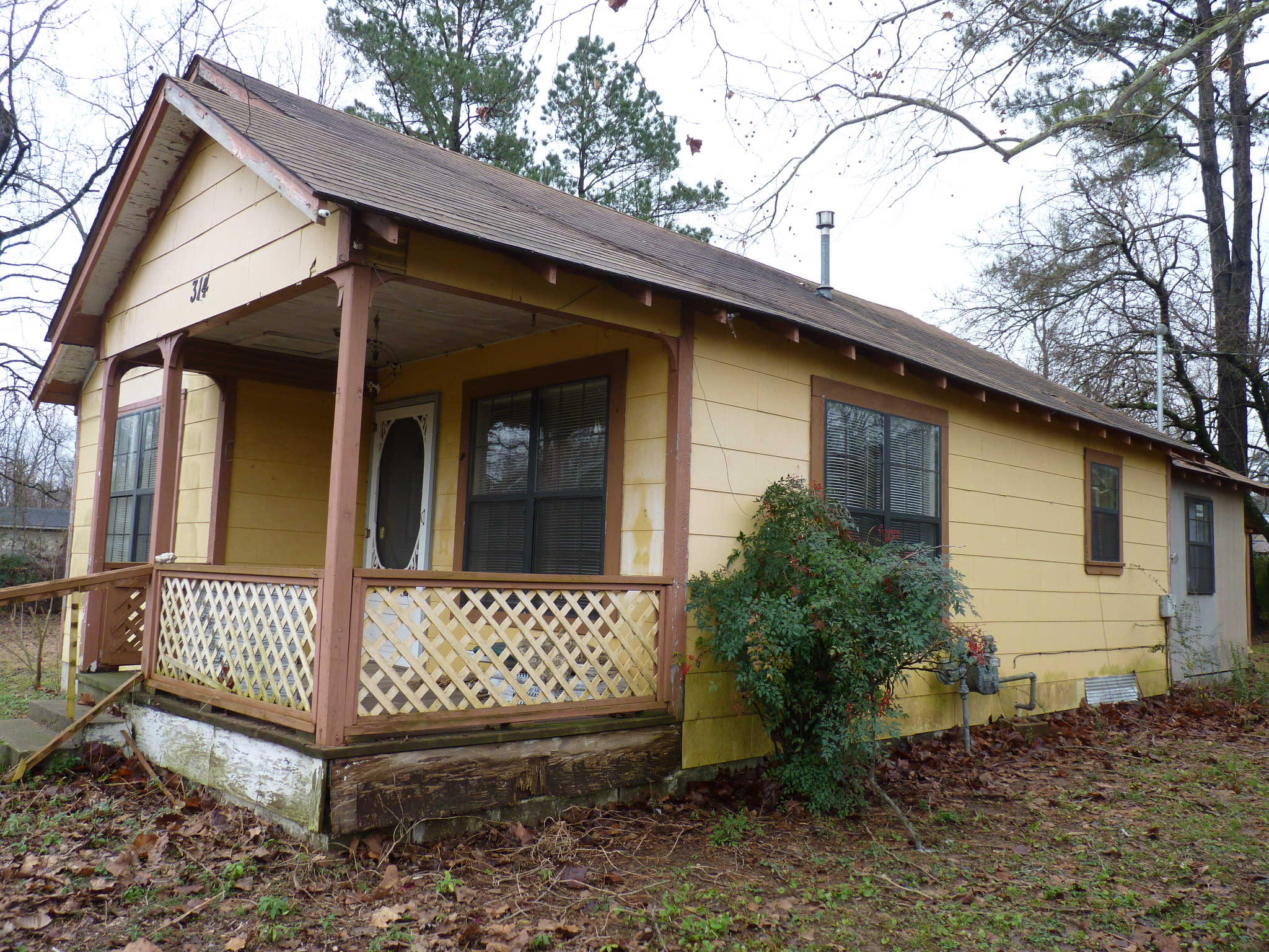Large photo 1 of home for sale at 314 Harkey Street, Ola, AR
