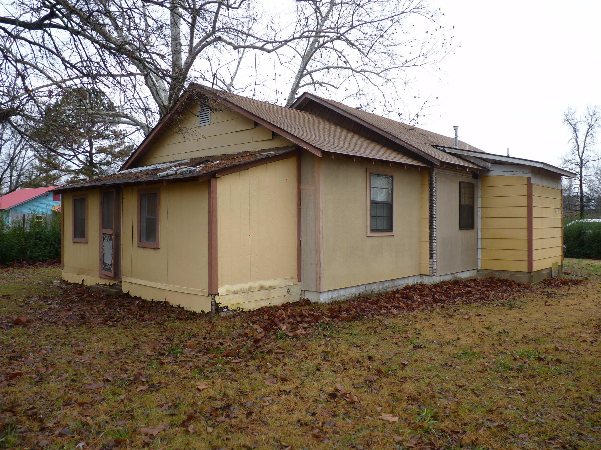 Large photo 4 of home for sale at 314 Harkey Street, Ola, AR