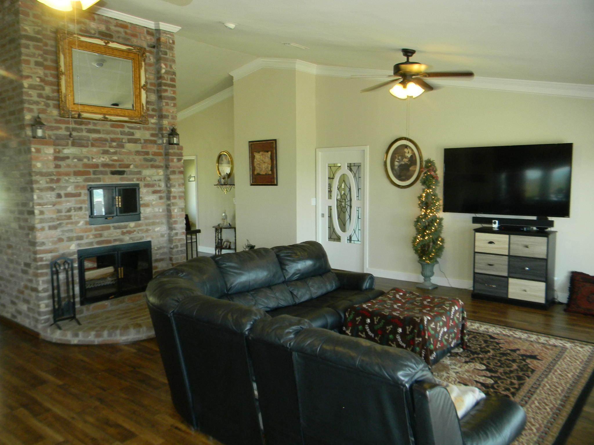 Large photo 5 of home for sale at 11 Bluff Drive, Russellville, AR