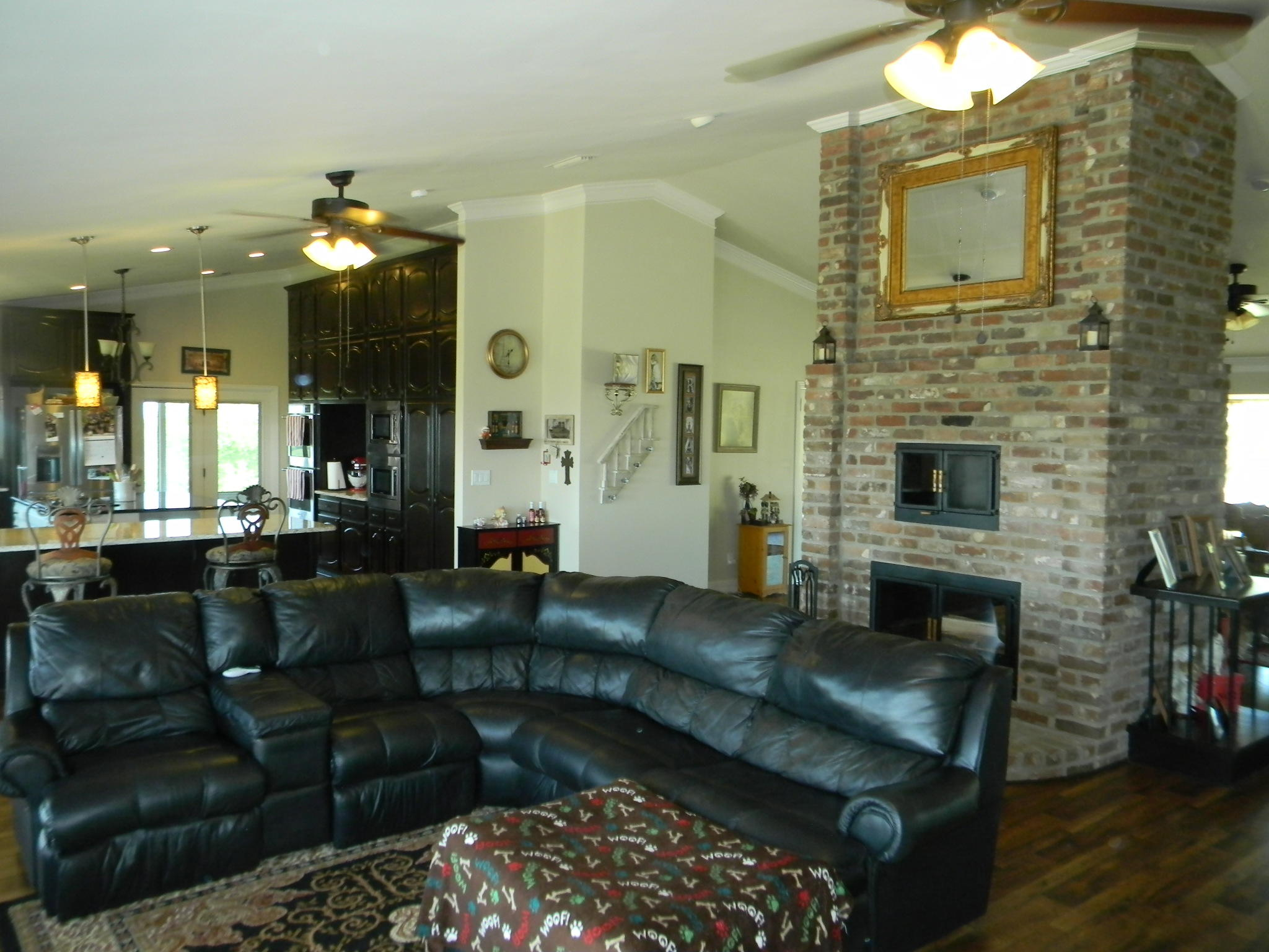 Large photo 6 of home for sale at 11 Bluff Drive, Russellville, AR