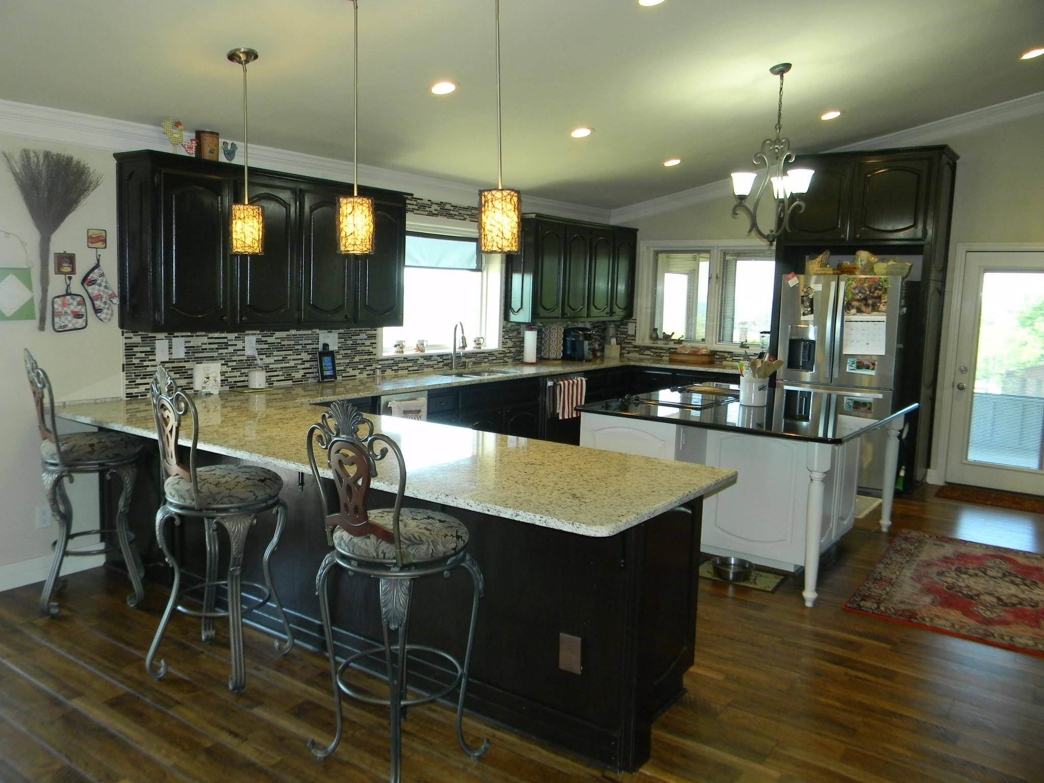 Large photo 12 of home for sale at 11 Bluff Drive, Russellville, AR
