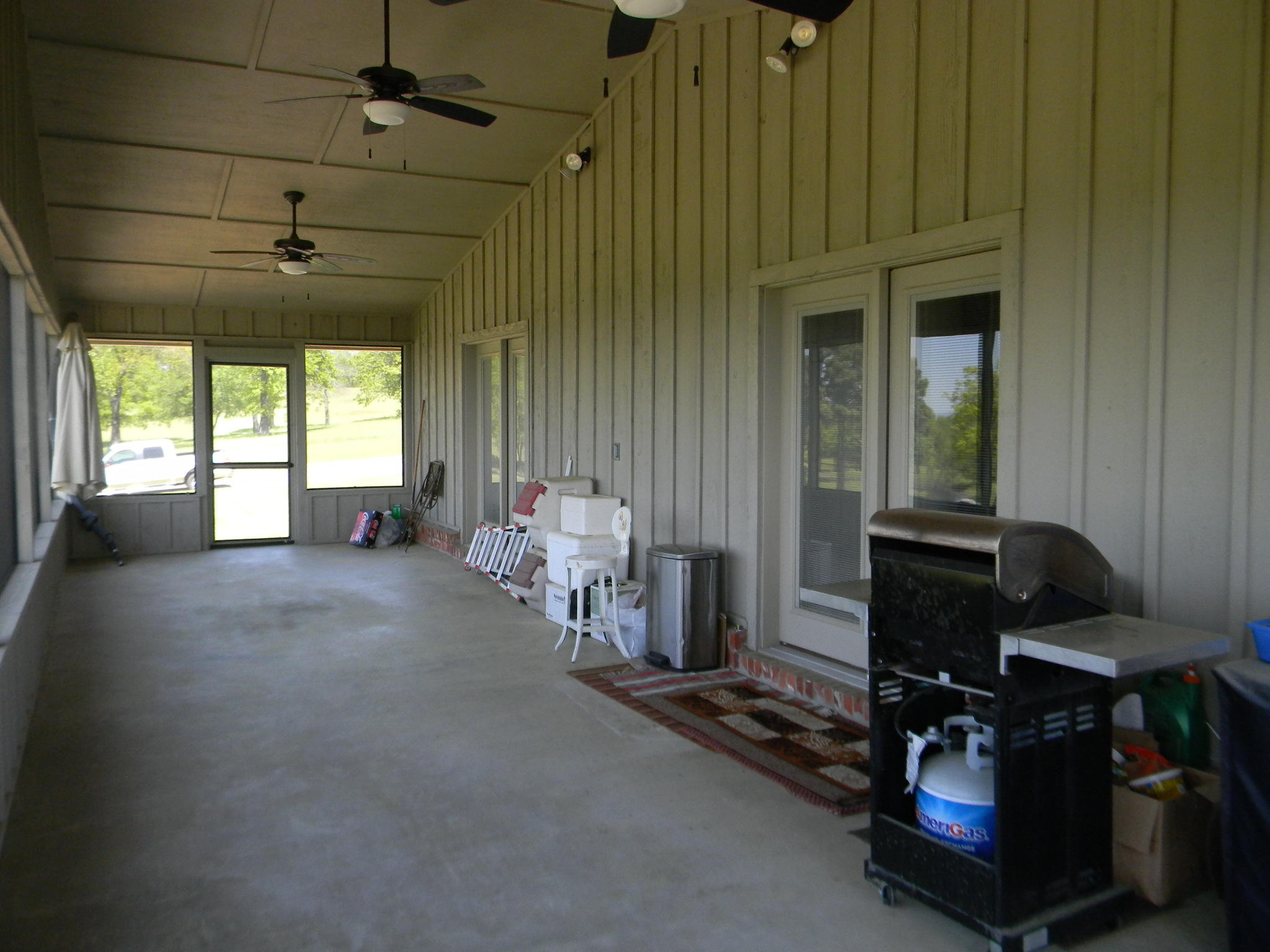 Large photo 43 of home for sale at 11 Bluff Drive, Russellville, AR