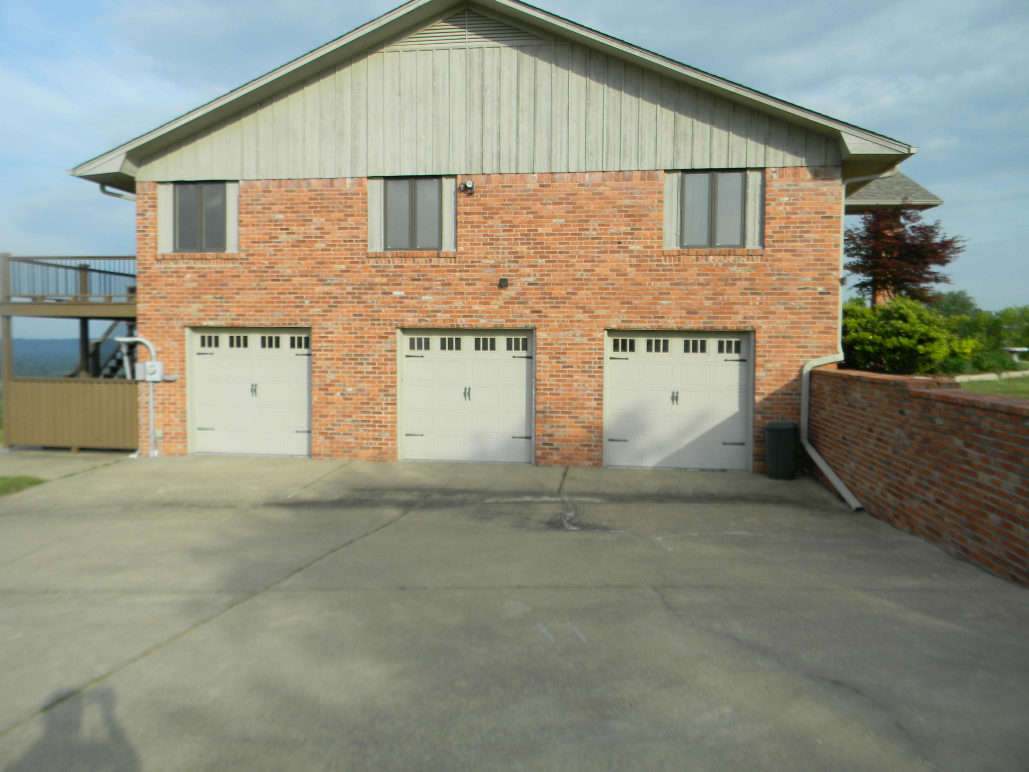Large photo 45 of home for sale at 11 Bluff Drive, Russellville, AR