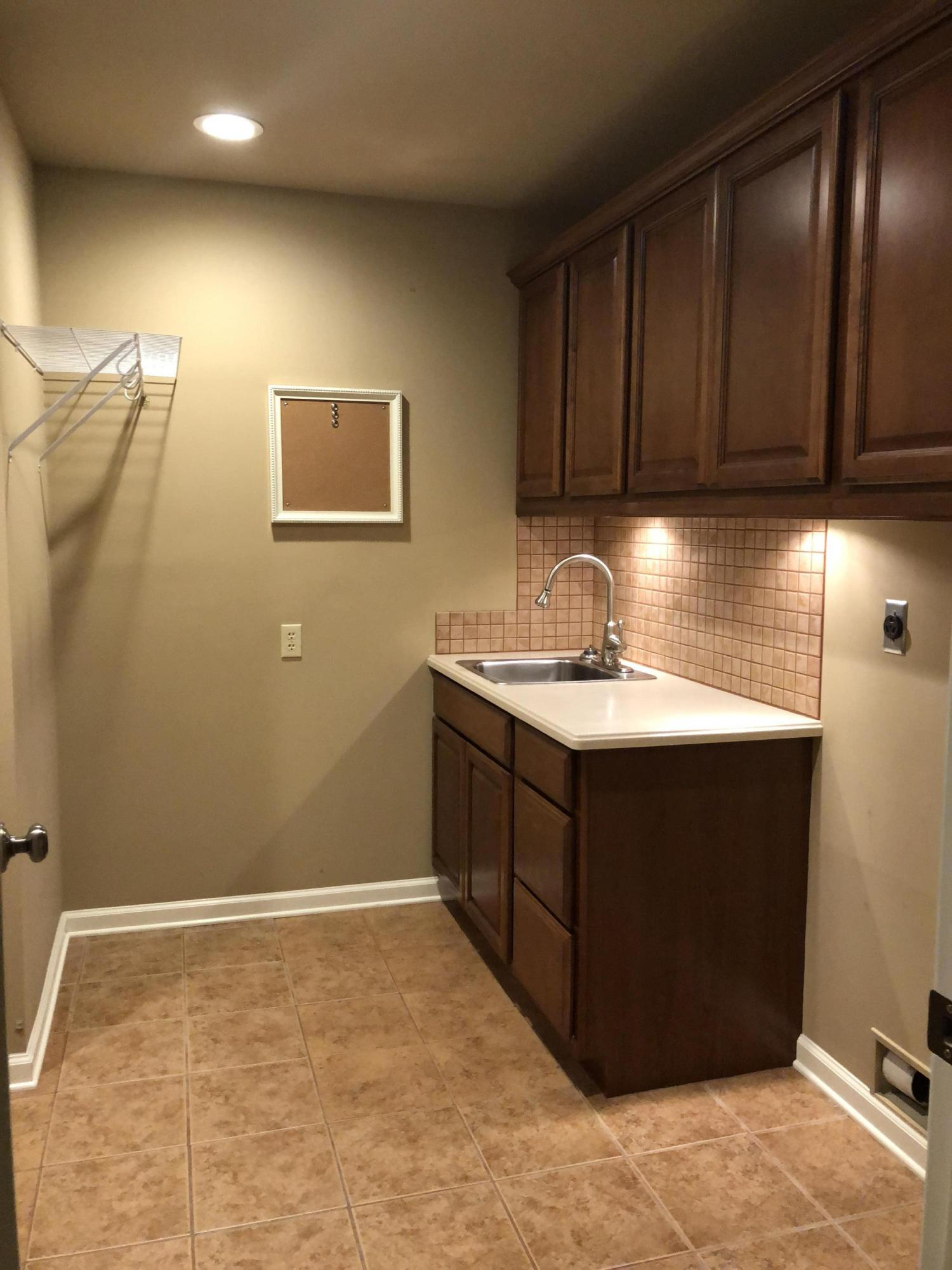 Large photo 19 of home for sale at 692 Bayview Circle, Knoxville, AR
