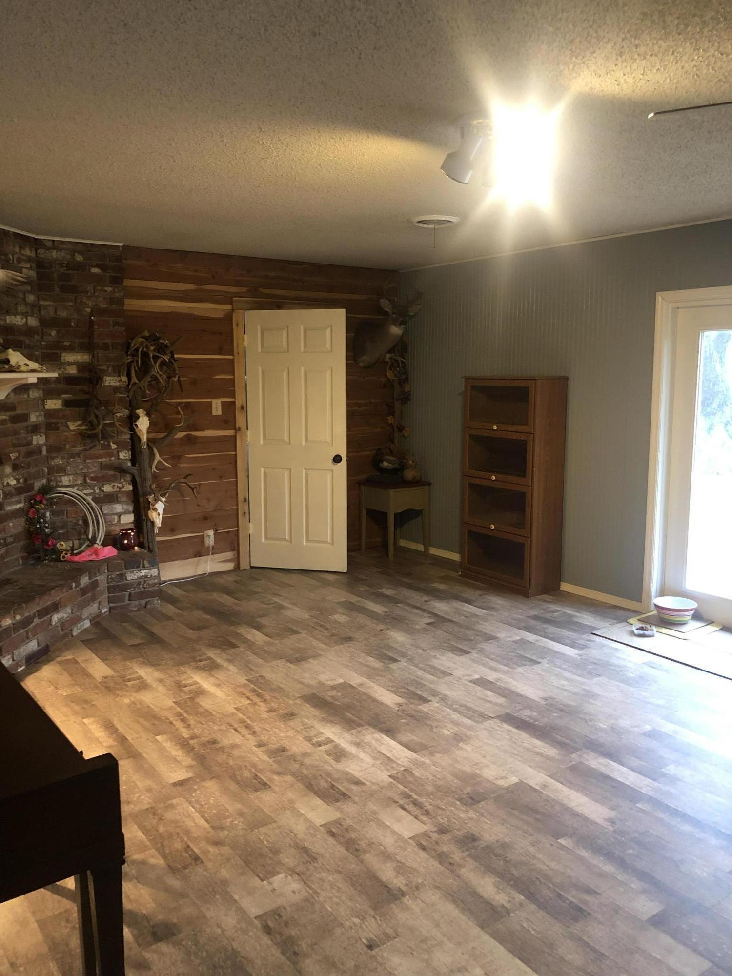 Large photo 5 of home for sale at 19 Deerwood Drive, Morrilton, AR