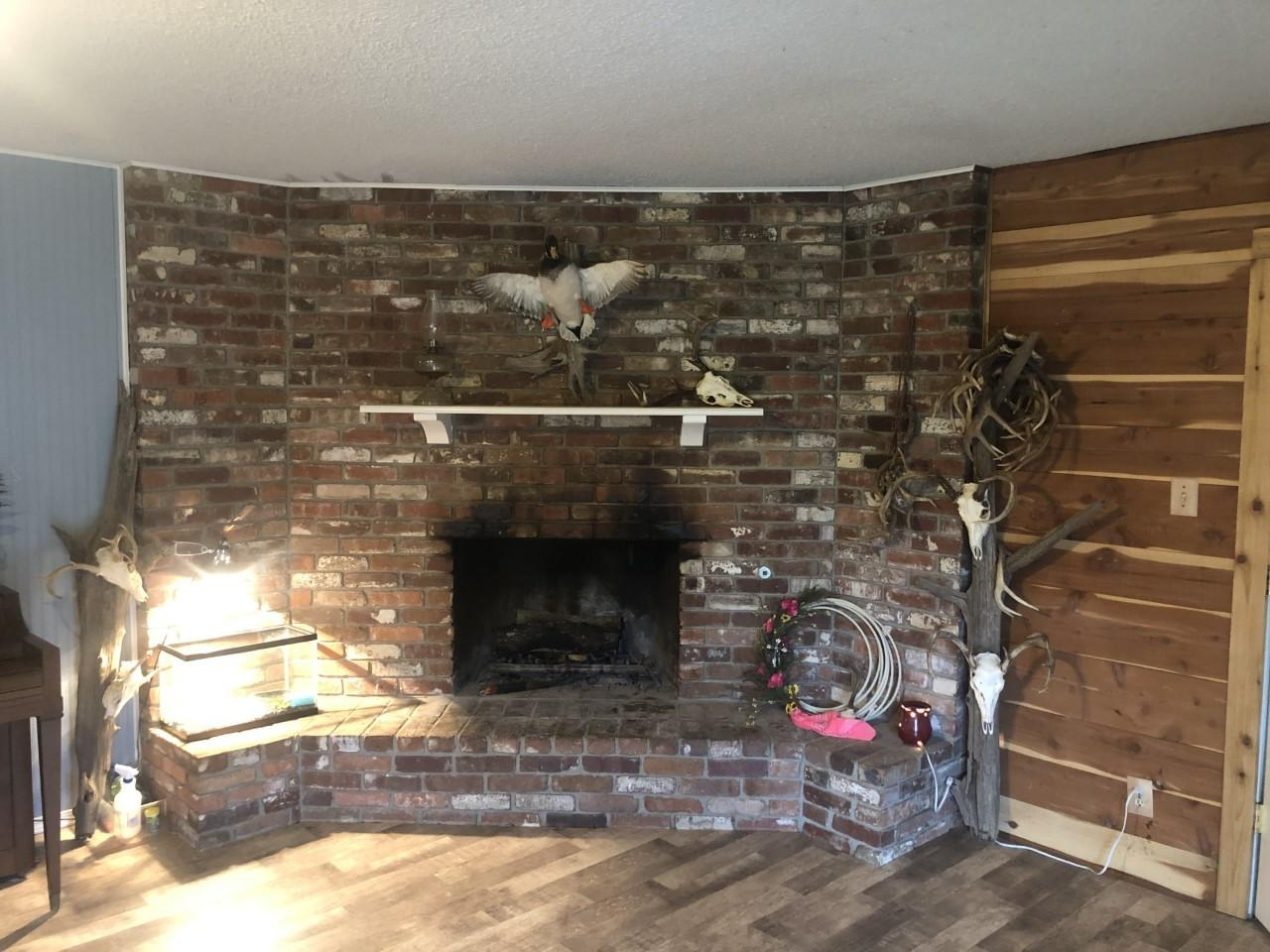 Large photo 7 of home for sale at 19 Deerwood Drive, Morrilton, AR