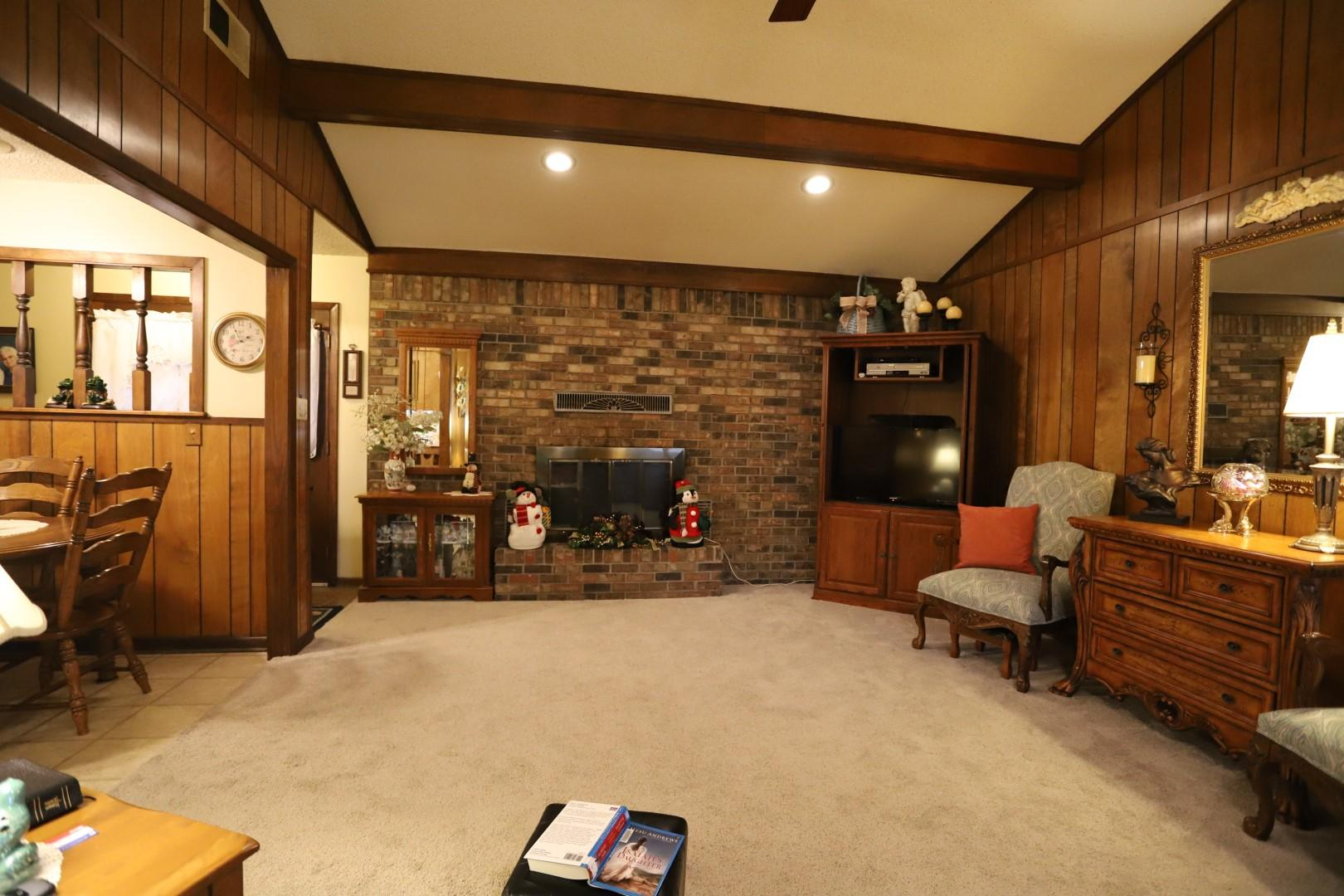 Large photo 11 of home for sale at 1115 6th Street, Dardanelle, AR