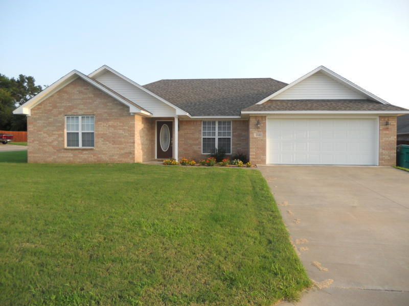 Large photo 1 of home for sale at 216 Thornwood Lane, Russellville, AR