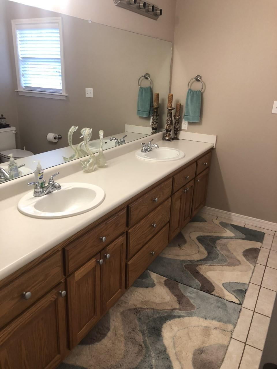 Large photo 4 of home for sale at 216 Thornwood Lane, Russellville, AR