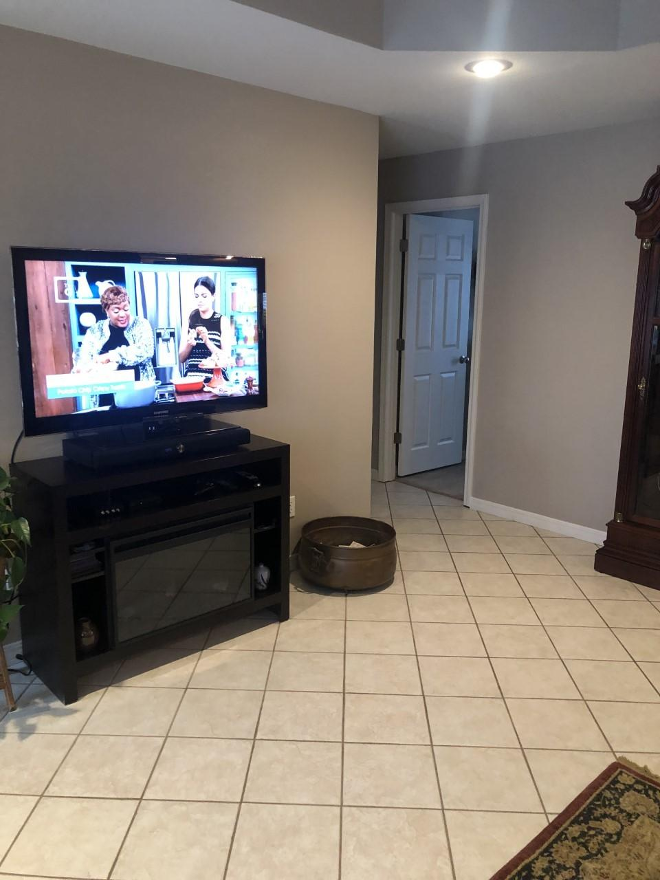 Large photo 11 of home for sale at 216 Thornwood Lane, Russellville, AR