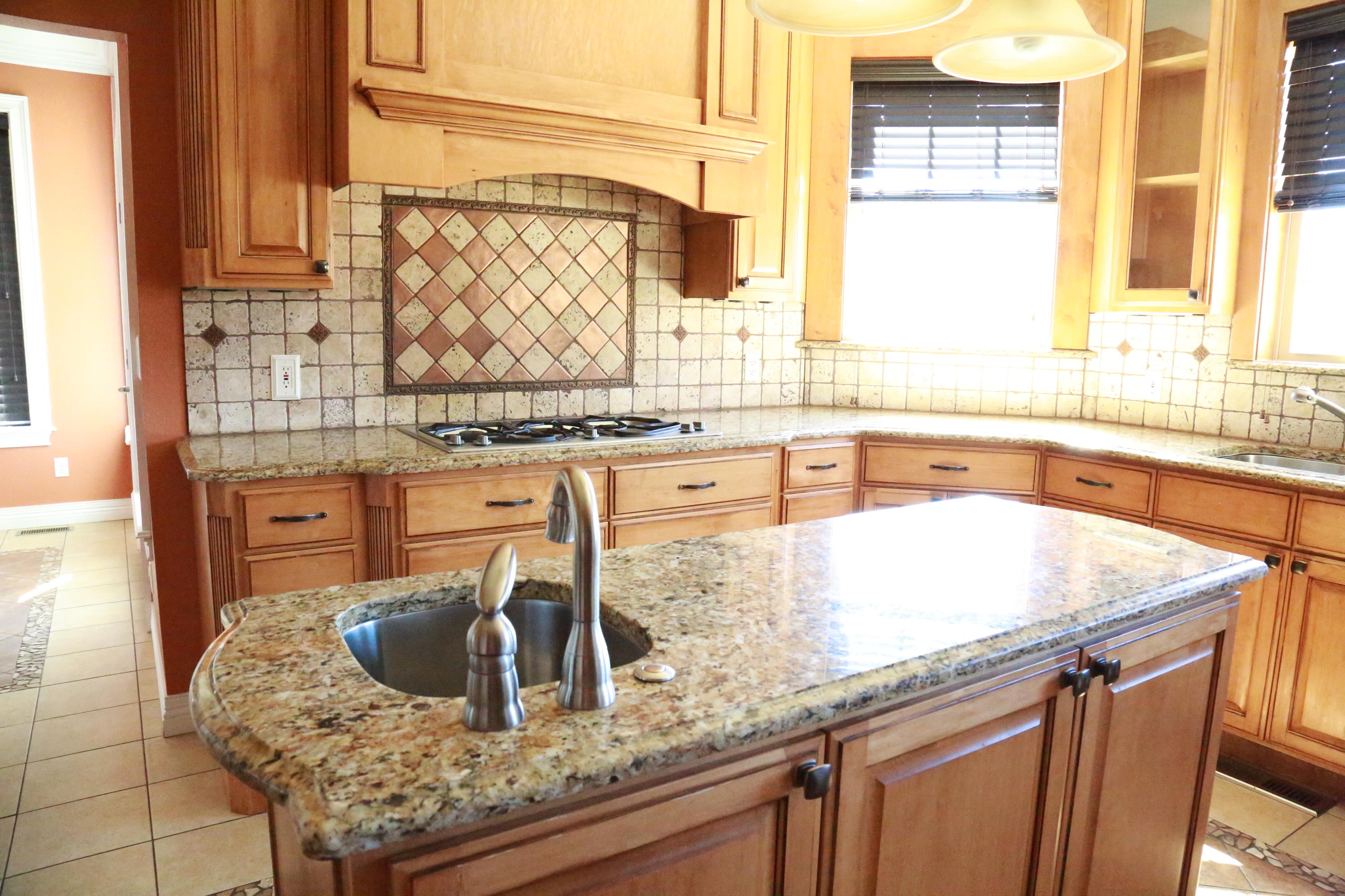 Large photo 7 of home for sale at 5 Heather Oaks Way, Clarksville, AR