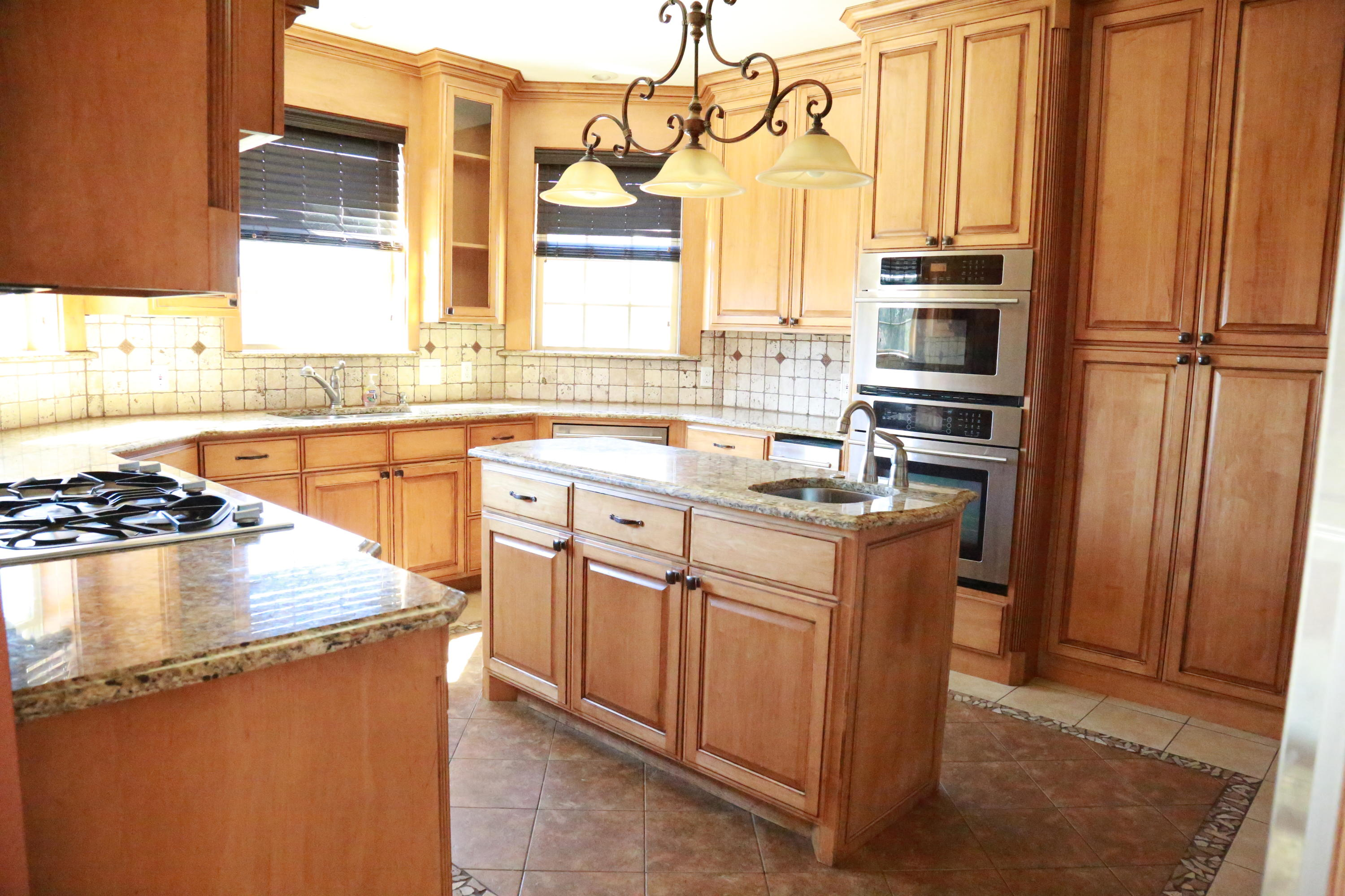 Large photo 8 of home for sale at 5 Heather Oaks Way, Clarksville, AR