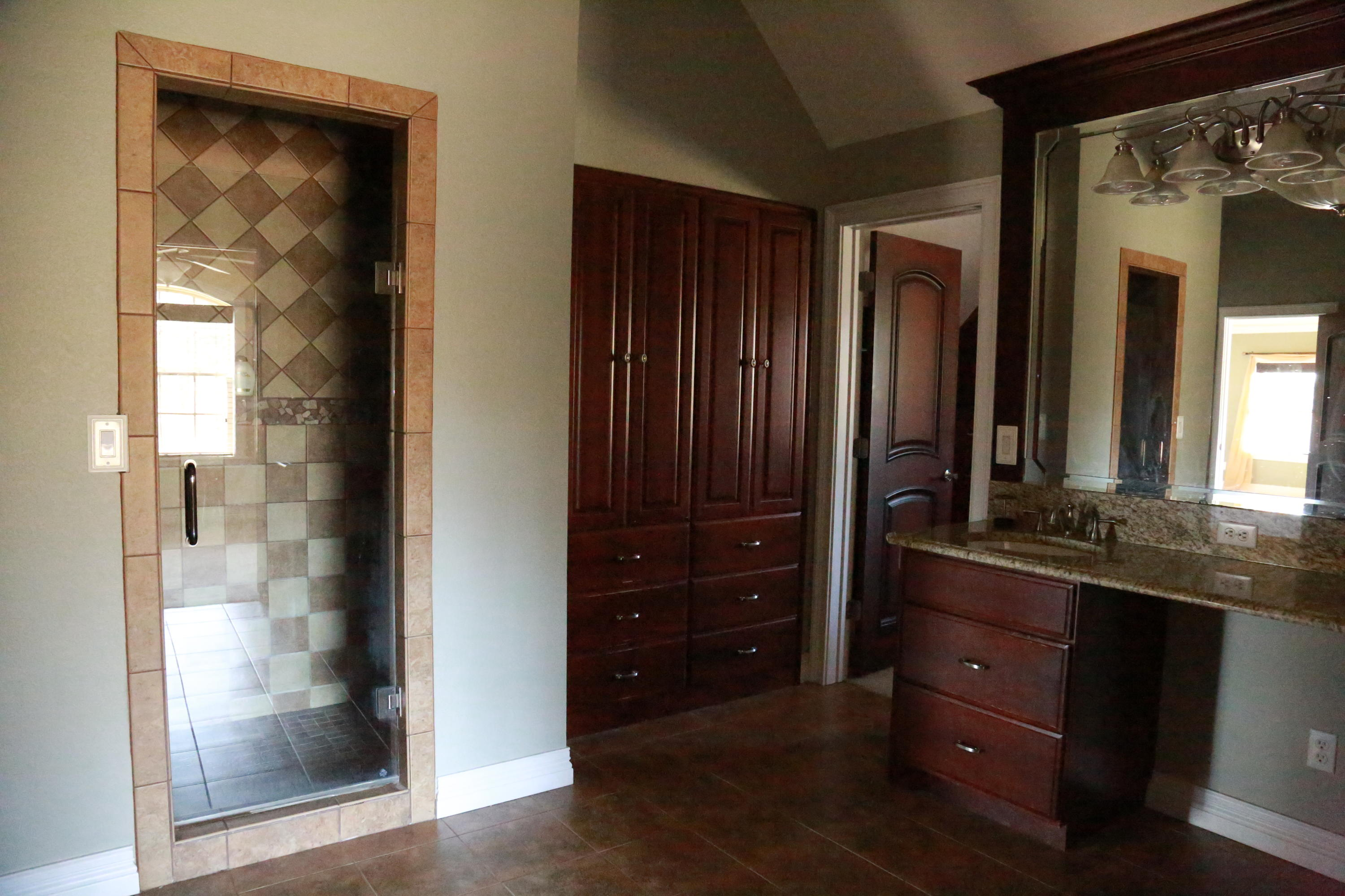 Large photo 32 of home for sale at 5 Heather Oaks Way, Clarksville, AR
