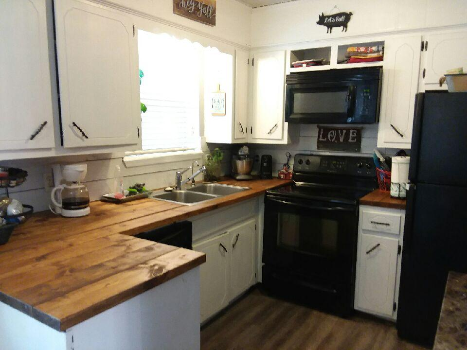 Large photo 5 of home for sale at 1813 12Th Street, Russellville, AR
