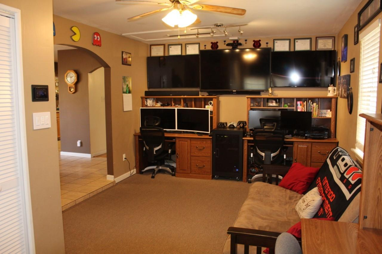 Large photo 10 of home for sale at 1818 3Rd Street, Russellville, AR