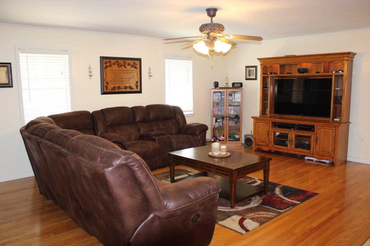 Large photo 12 of home for sale at 1818 3Rd Street, Russellville, AR