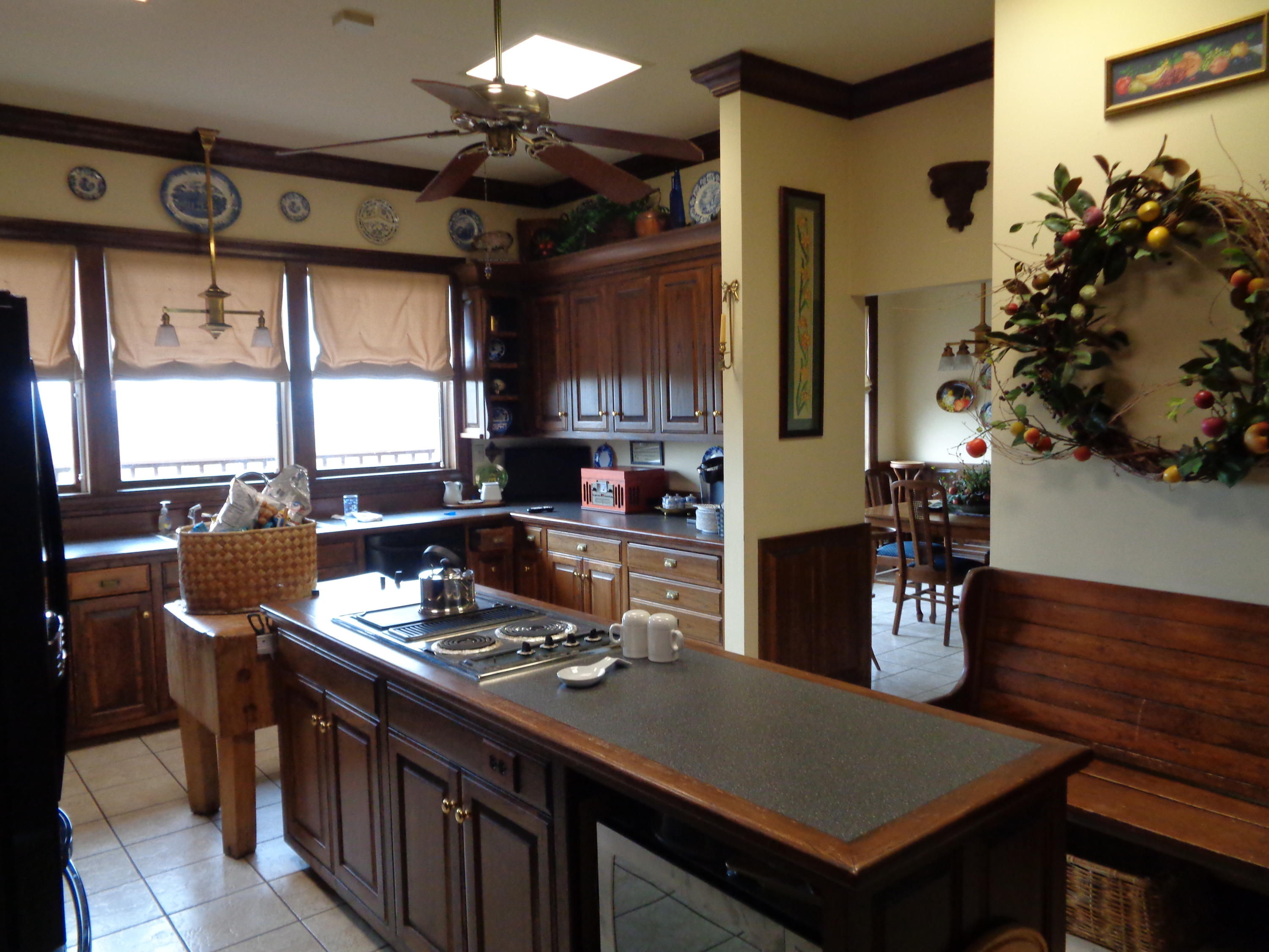 Large photo 23 of home for sale at 833 Sparksford Drive, Russellville, AR