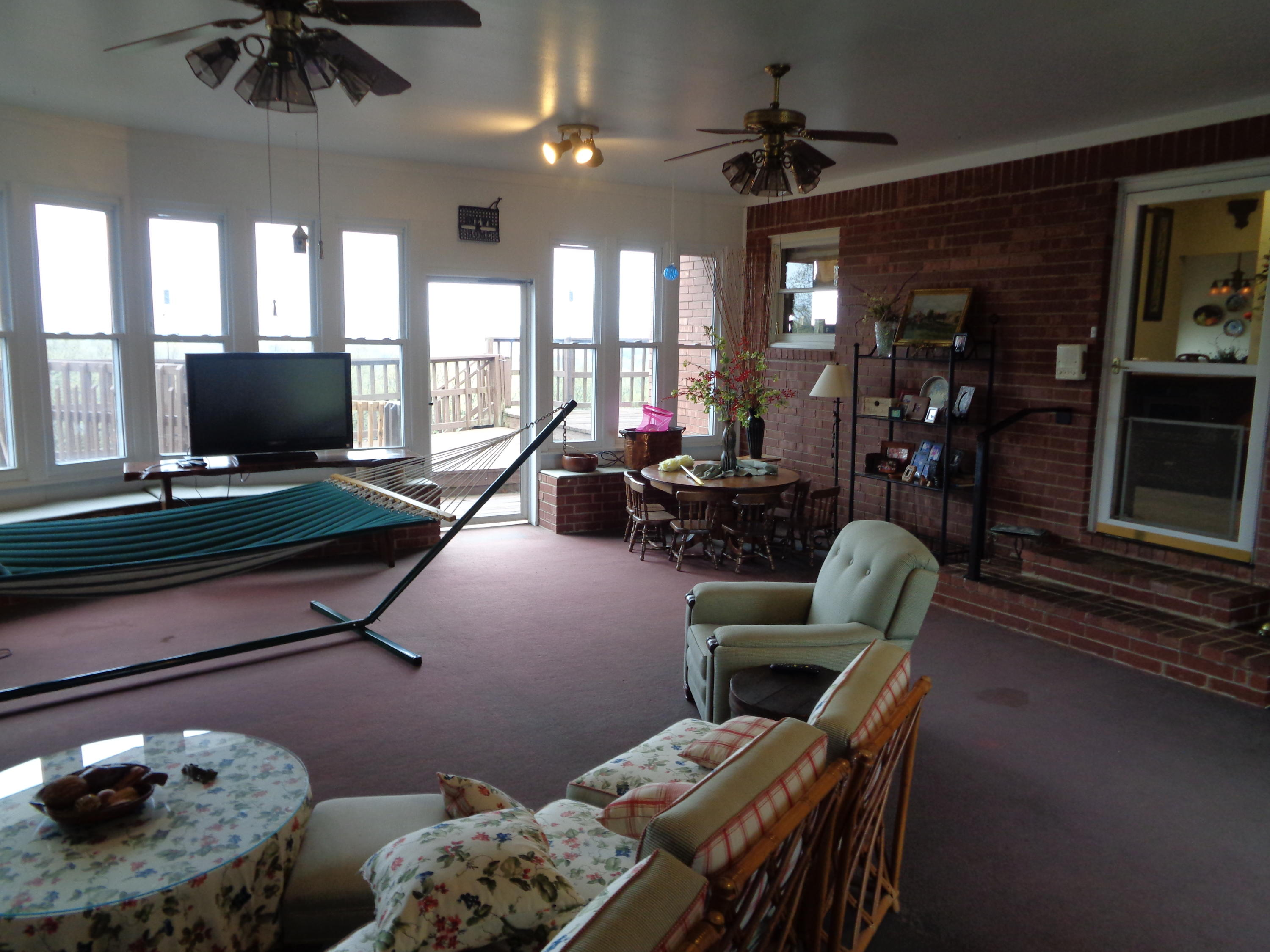 Large photo 42 of home for sale at 833 Sparksford Drive, Russellville, AR