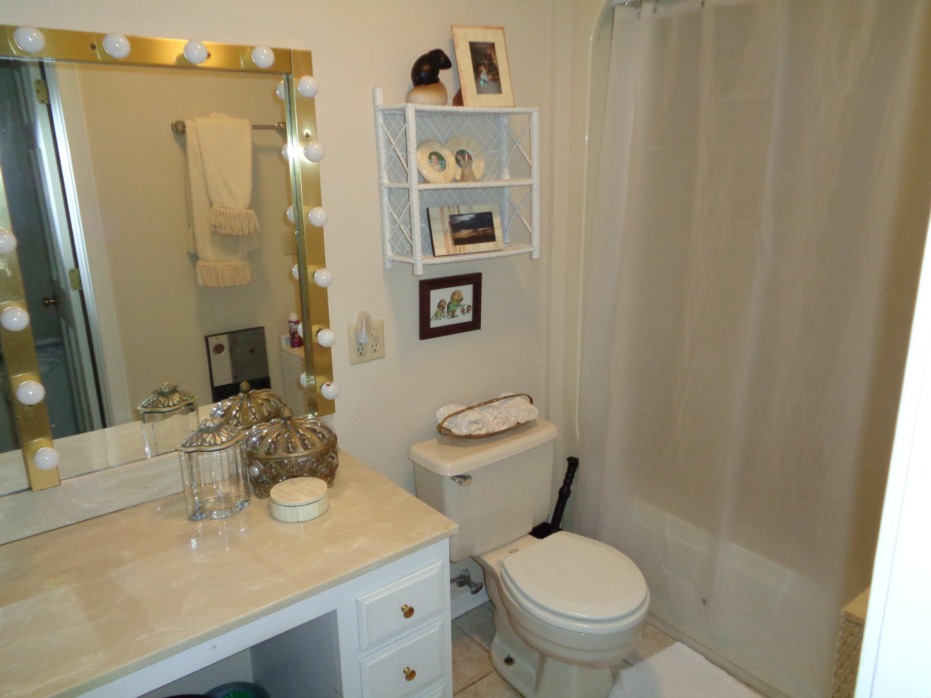Large photo 14 of home for sale at 833 Sparksford Drive, Russellville, AR