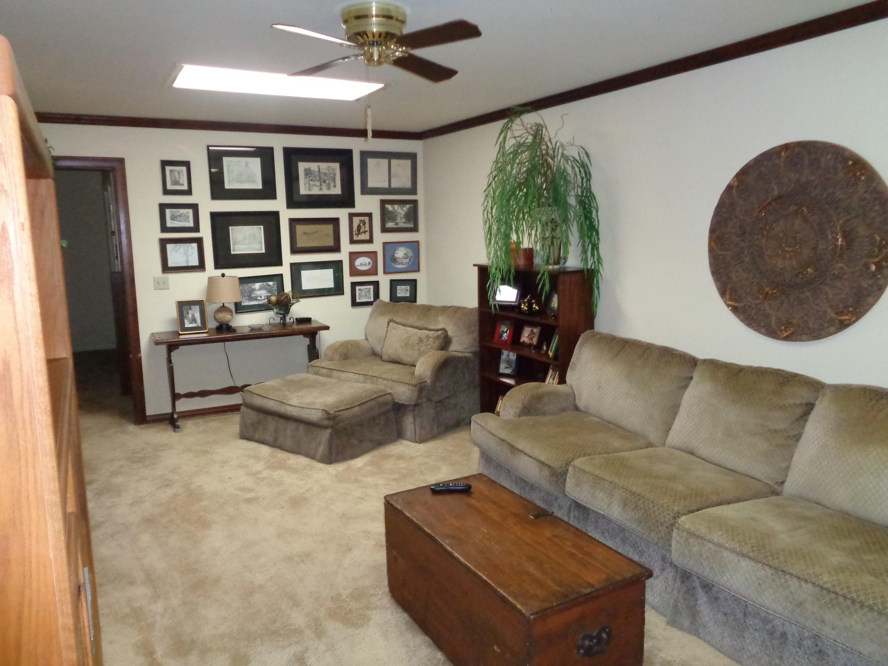 Large photo 8 of home for sale at 833 Sparksford Drive, Russellville, AR