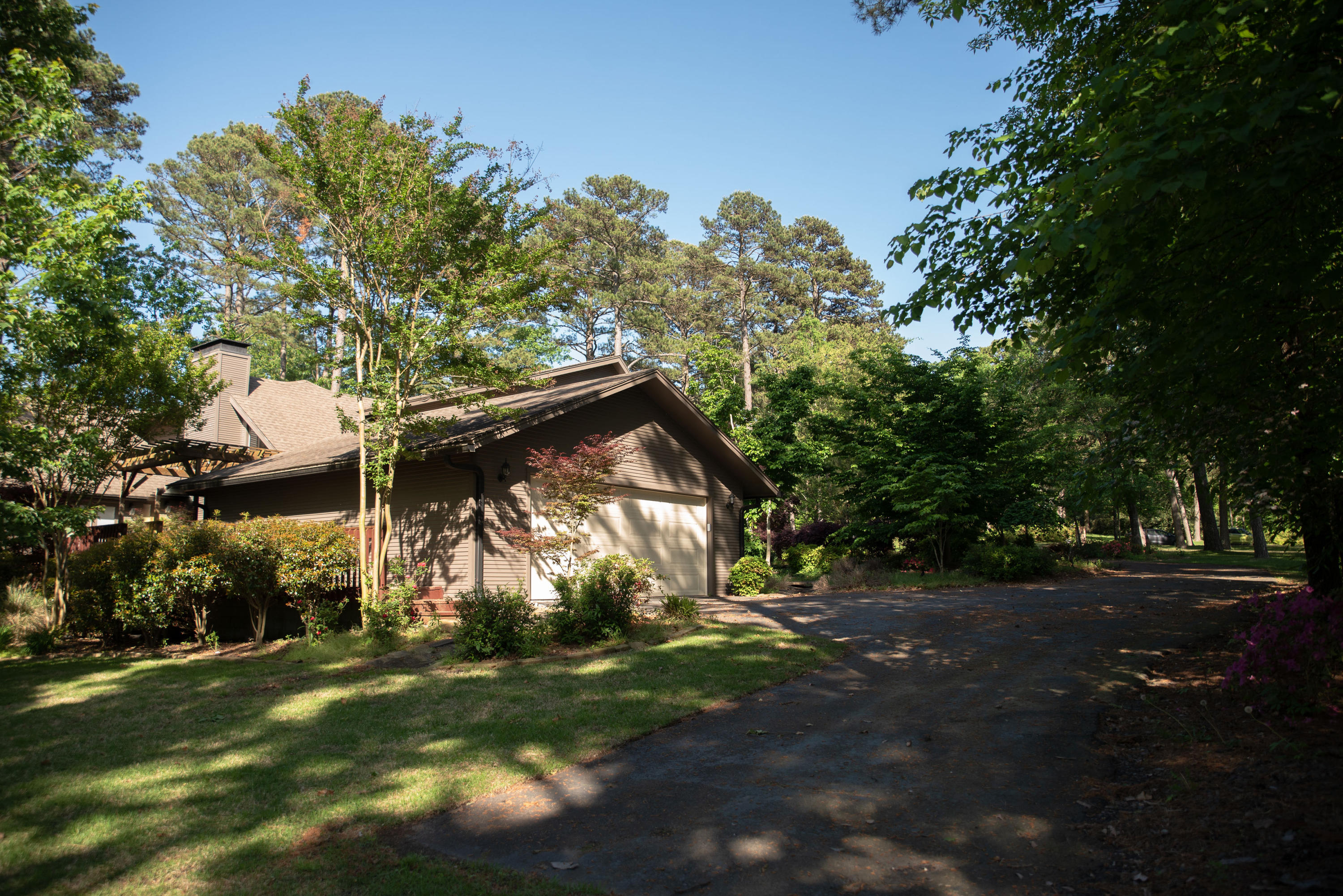 Large photo 36 of home for sale at 1414 Lands End N , Russellville, AR