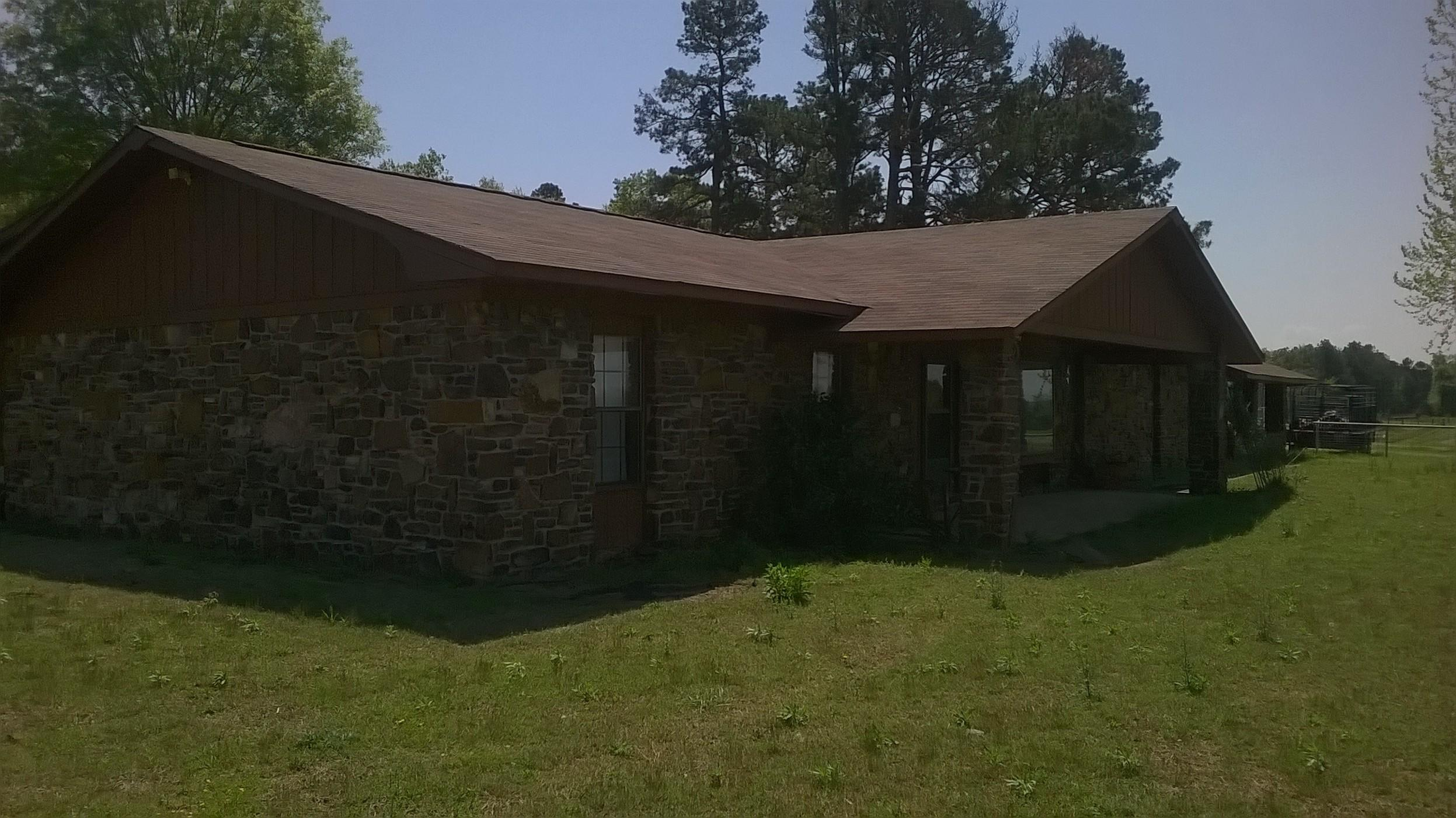 Large photo 5 of home for sale at 508 Ray Road, Clarksville, AR