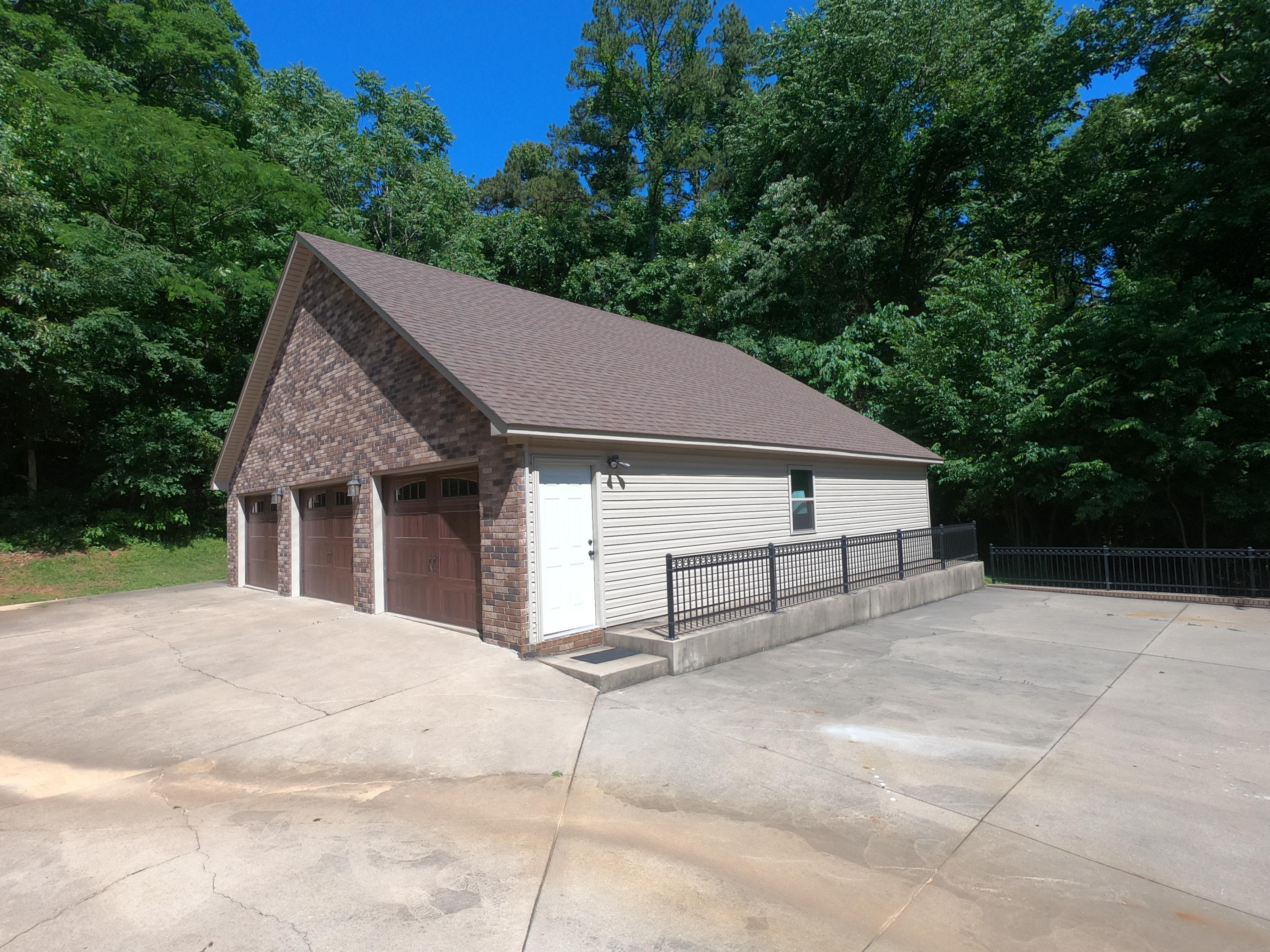 Large photo 81 of home for sale at 208 Craigwood Circle, Russellville, AR