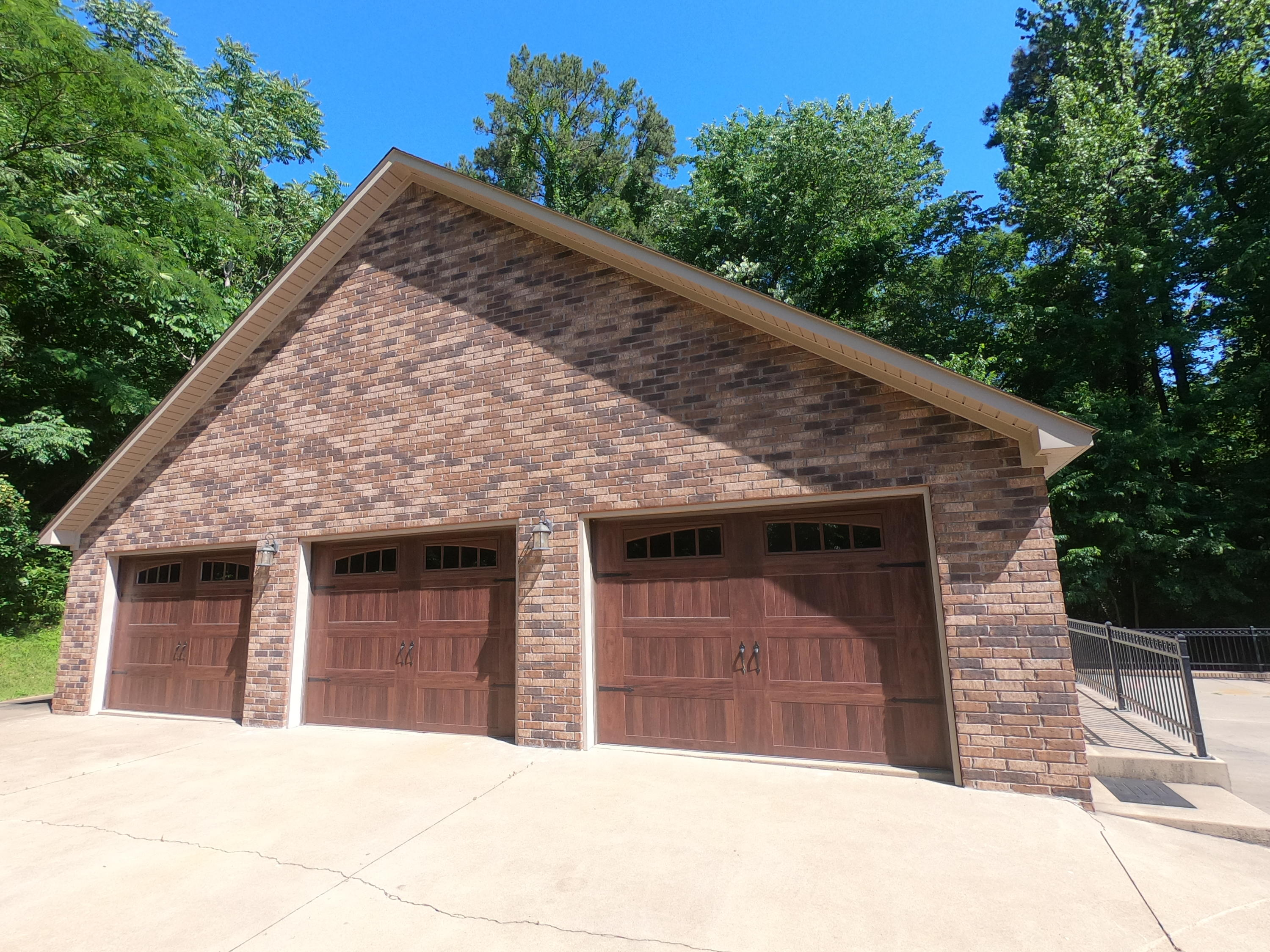 Large photo 80 of home for sale at 208 Craigwood Circle, Russellville, AR